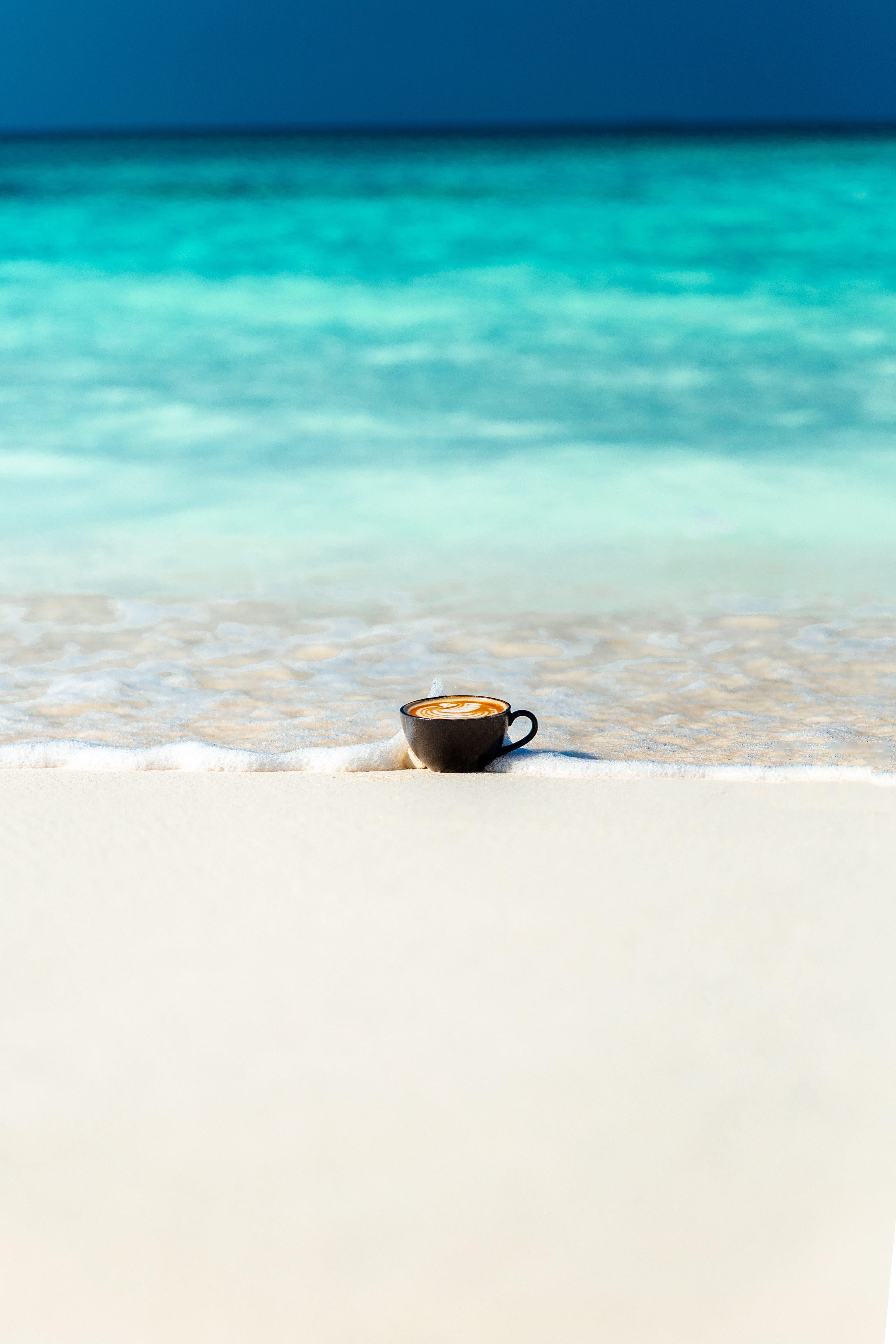 50419 Заставки и Обои Песок на телефон. Скачать Океан, Песок, Берег, Чашка, Минимализм картинки бесплатно