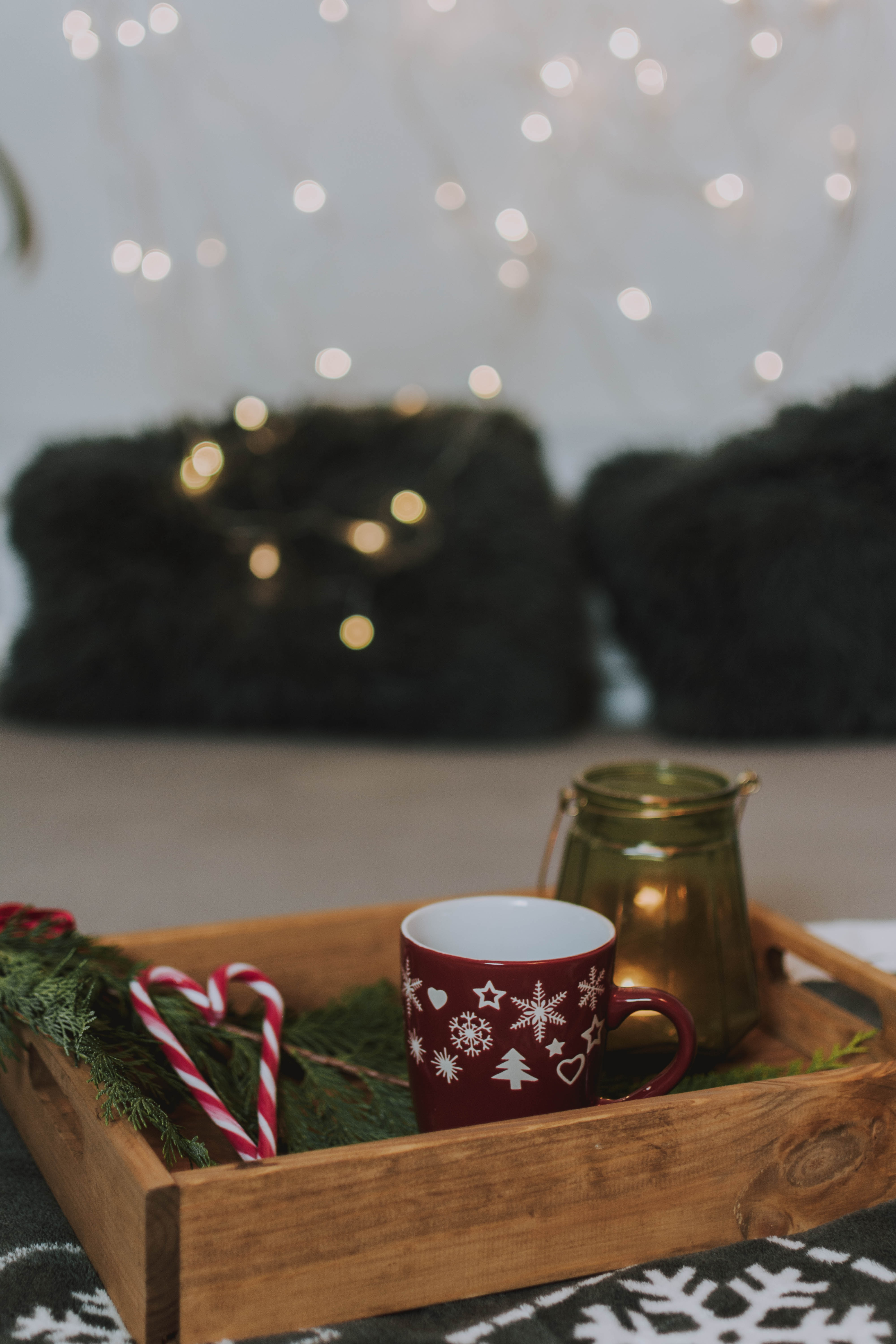 149606 download wallpaper Holidays, Box, Cup, Mug, Christmas Tree, New Year, Christmas, Candies screensavers and pictures for free