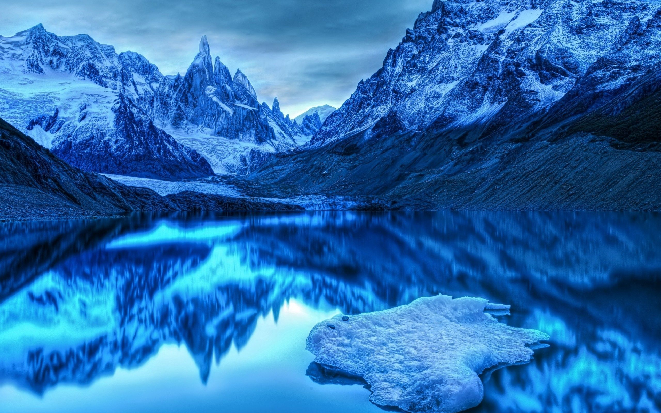 65936 download wallpaper Nature, Mountains, Ice, Snow, Lake, Reflection screensavers and pictures for free