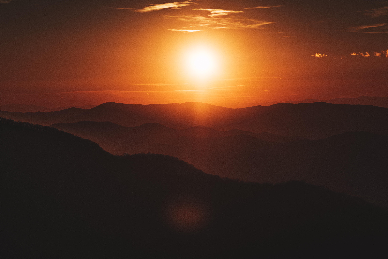 90938 Заставки и Обои Солнце на телефон. Скачать Природа, Закат, Небо, Солнце, Темный, Холмы картинки бесплатно