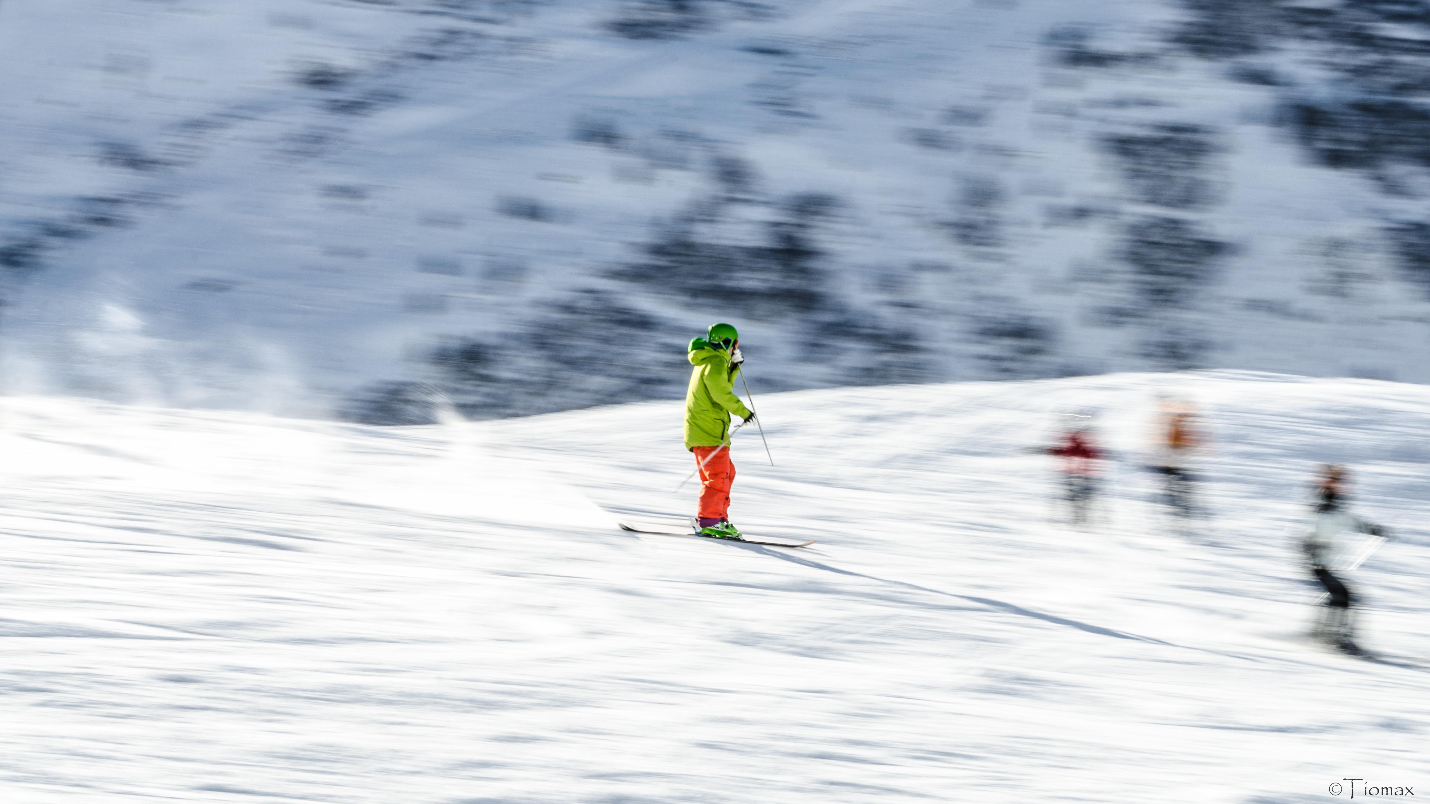 108066 скачать обои Спорт, Лыжник, Лыжи, Зима, Снег, Горы - заставки и картинки бесплатно