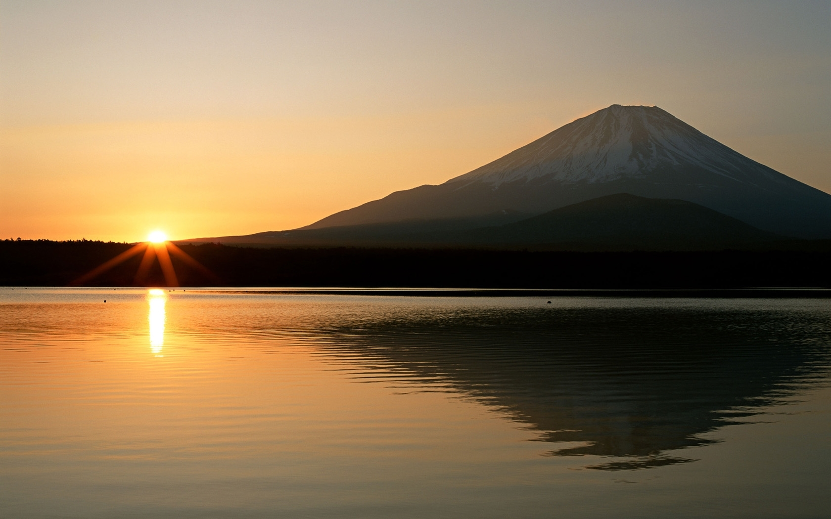 8829 download wallpaper Landscape, Sunset, Mountains, Sun, Lakes screensavers and pictures for free