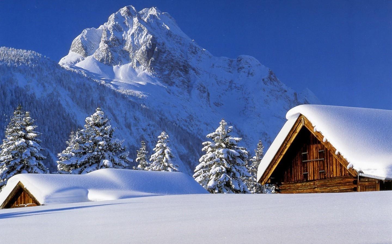 8017 завантажити шпалери Пейзаж, Зима, Будинки, Гори, Сніг, Ялинки - заставки і картинки безкоштовно