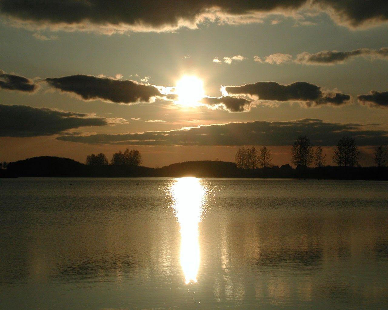 73837 скачать обои Природа, Закат, Вода, Отражение, Облака, Небо, Солнце - заставки и картинки бесплатно