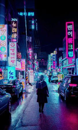 138257壁紙のダウンロード夜の街, ナイトシティ, 通り, 傘, 人間, 人, 表示板, 兆候, バックライト, 照明, ネオン, 都市-スクリーンセーバーと写真を無料で