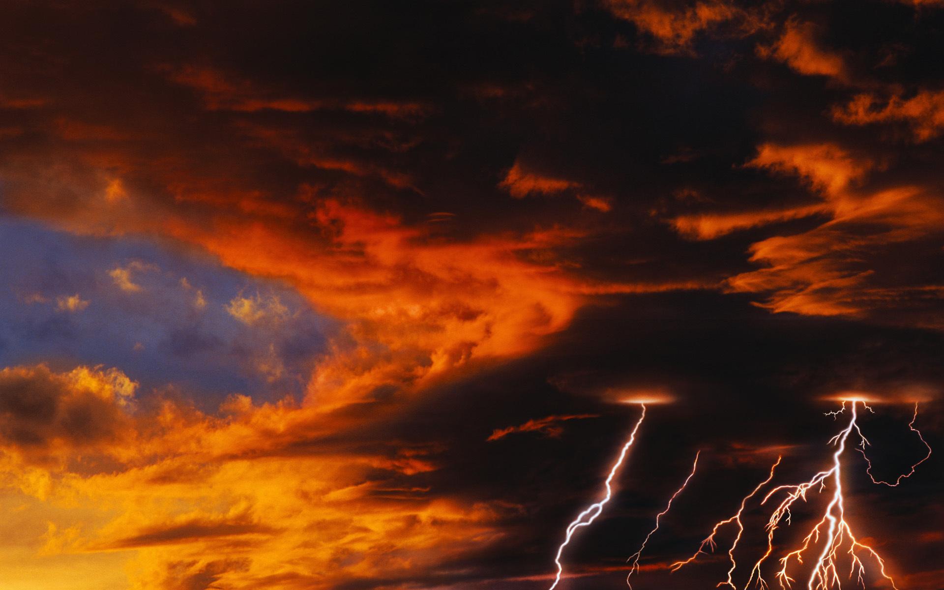 37902 скачать обои Пейзаж, Облака, Молнии - заставки и картинки бесплатно