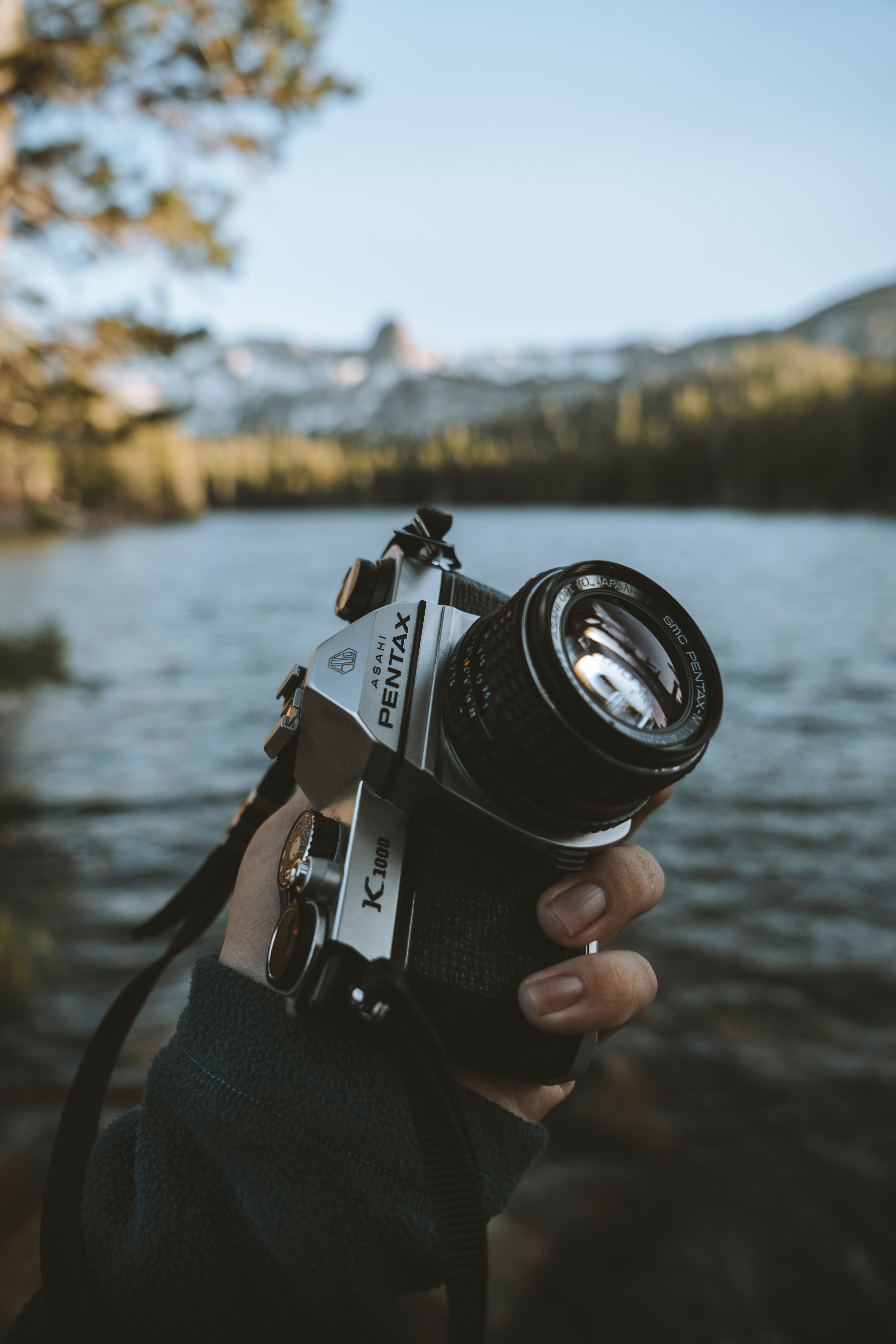 134060 Screensavers and Wallpapers Lens for phone. Download Landscape, Hand, Lens, Technologies, Technology, Camera pictures for free