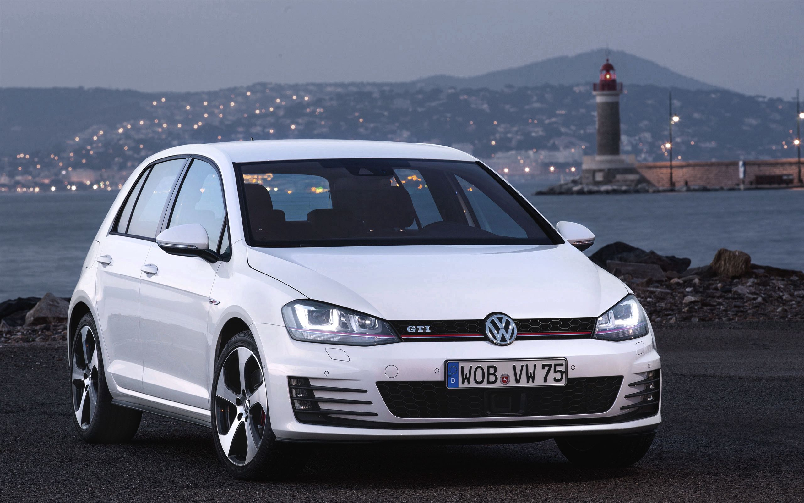 70314 download wallpaper Volkswagen, Golf, Cars, Gti screensavers and pictures for free