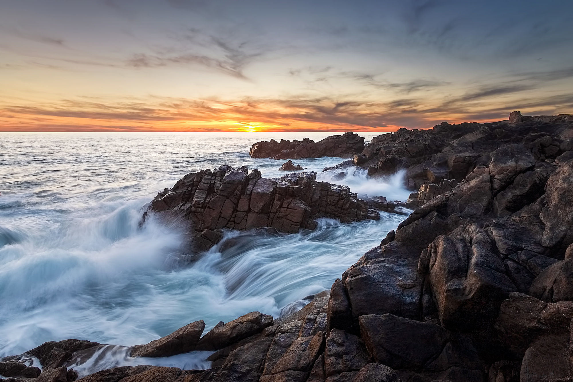 72270 download wallpaper Nature, Rocks, Sea, Surf, Sky screensavers and pictures for free