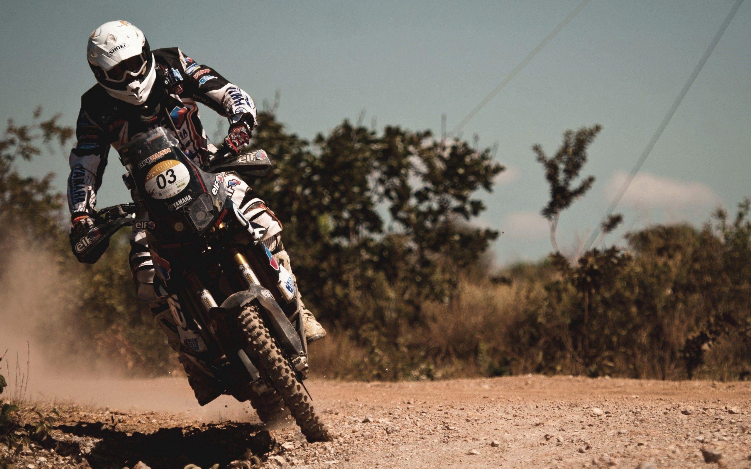 118458 скачать обои Мотоциклы, Мотоциклист, Движение, Трюк, Скорость - заставки и картинки бесплатно