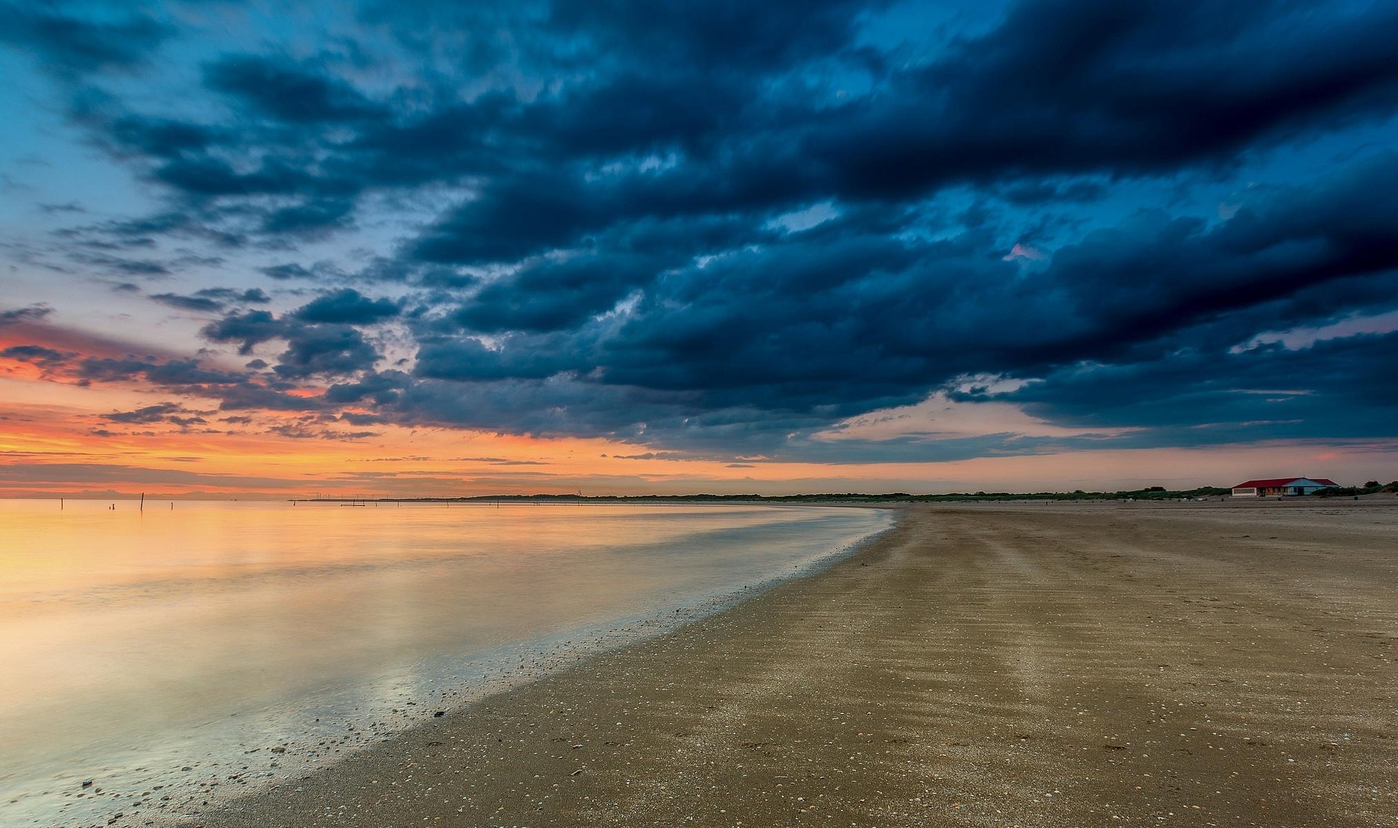 110478 papel de parede 720x1520 em seu telefone gratuitamente, baixe imagens Natureza, Céu, Mar, Nuvens, Praia, Costa, Banco 720x1520 em seu celular