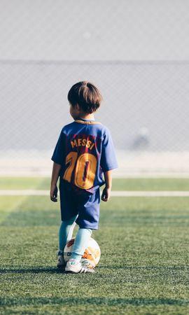 94777壁紙のダウンロードスポーツ, 子, 子供, サッカー選手, 選手, サッカー, サッカー場, 玉, 球, 芝生-スクリーンセーバーと写真を無料で