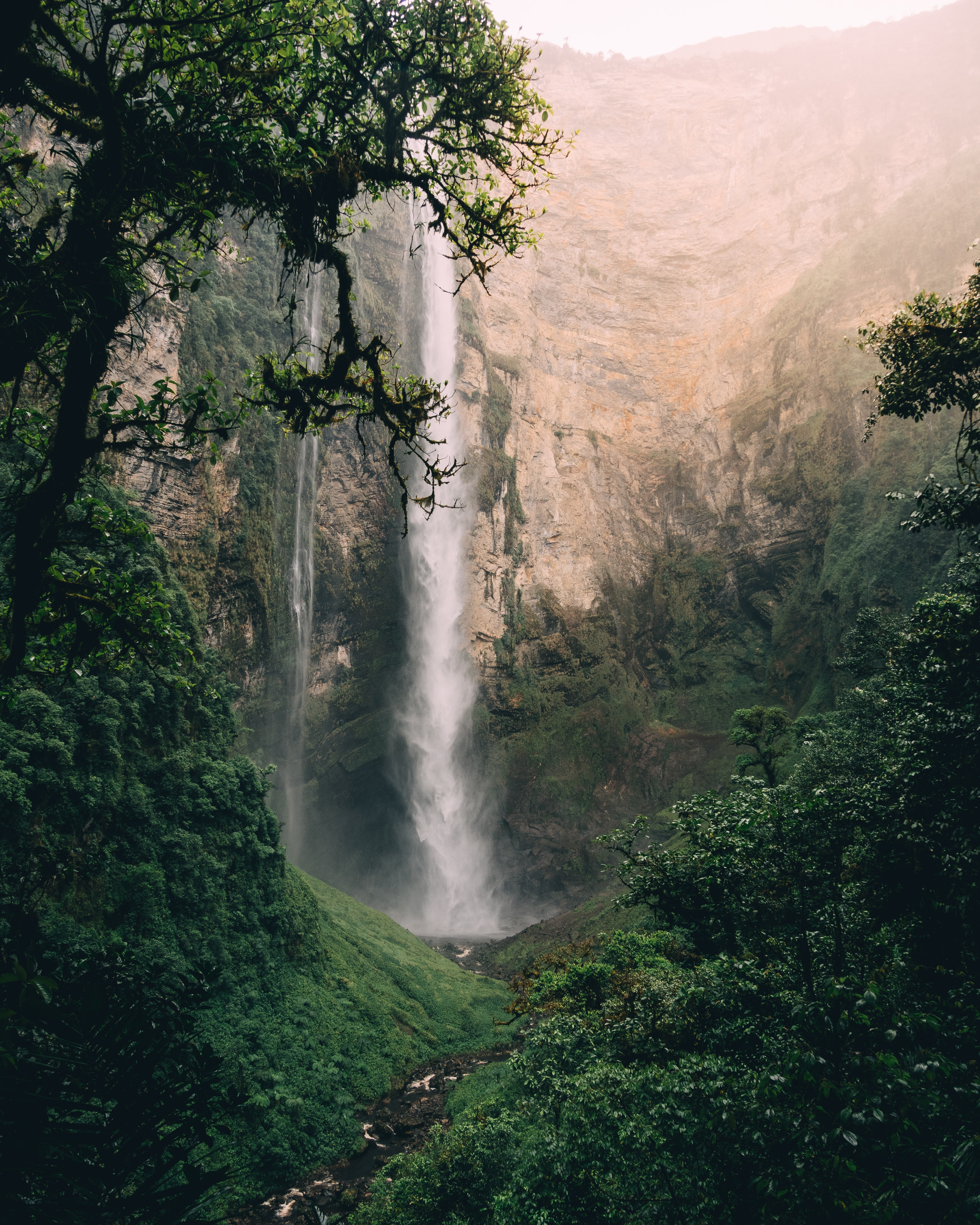 127126 download wallpaper Nature, Water, Waterfall, Fog, Spray, Break, Precipice screensavers and pictures for free