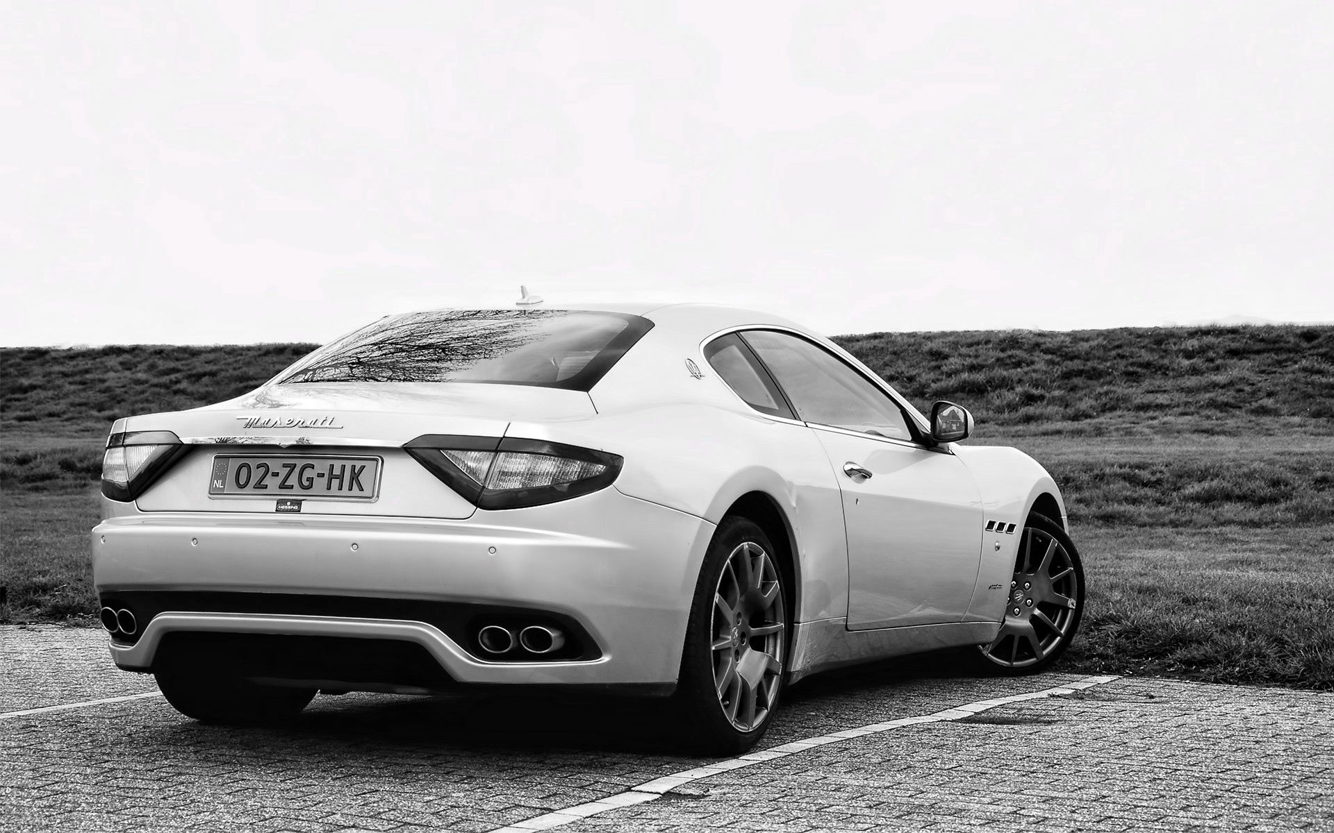 107261 download wallpaper Cars, Maserati, Back View, Rear View, Street screensavers and pictures for free
