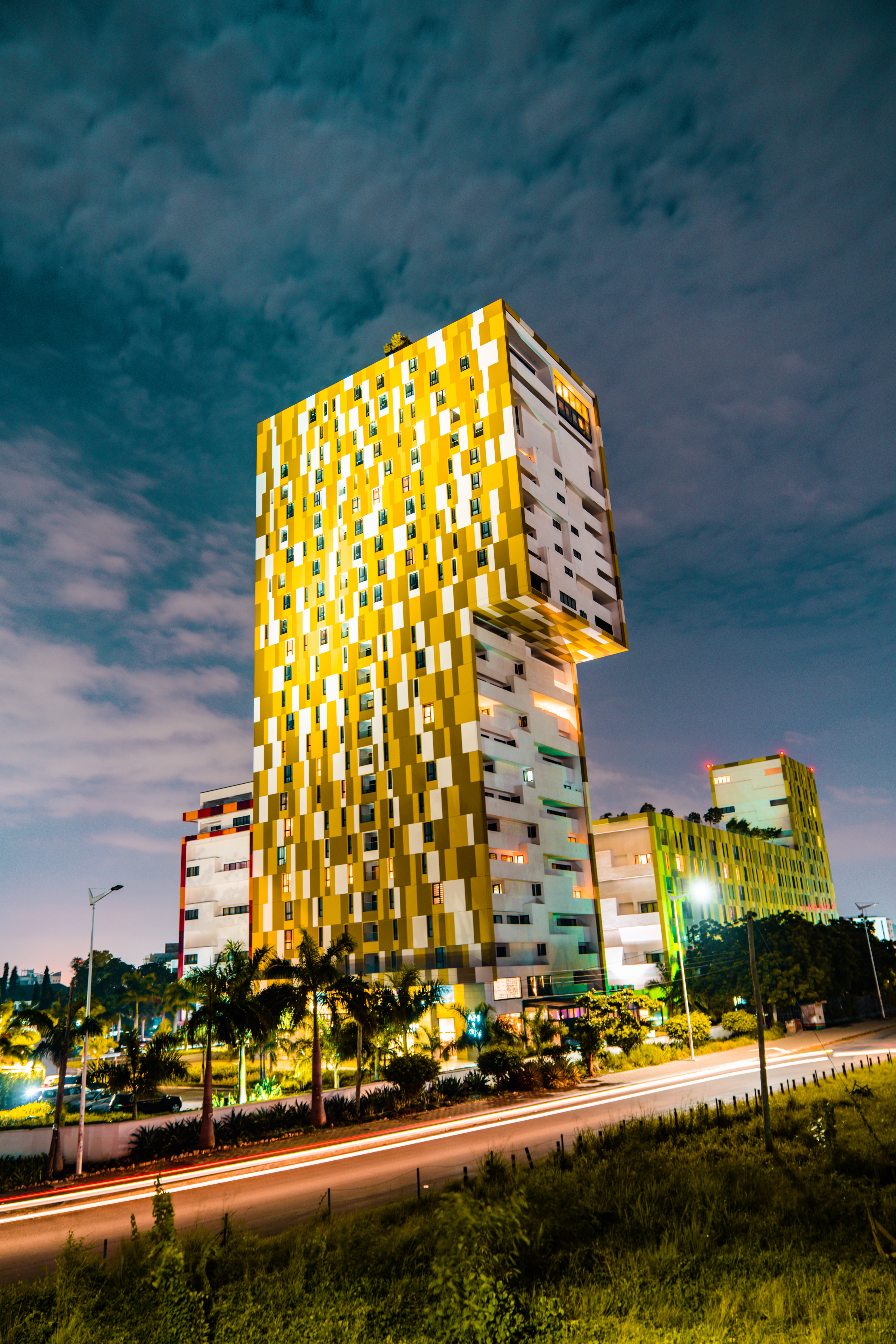 82323壁紙のダウンロード建物, モダン, 最新です, 市, 都市, 通り, アーキテクチャ-スクリーンセーバーと写真を無料で