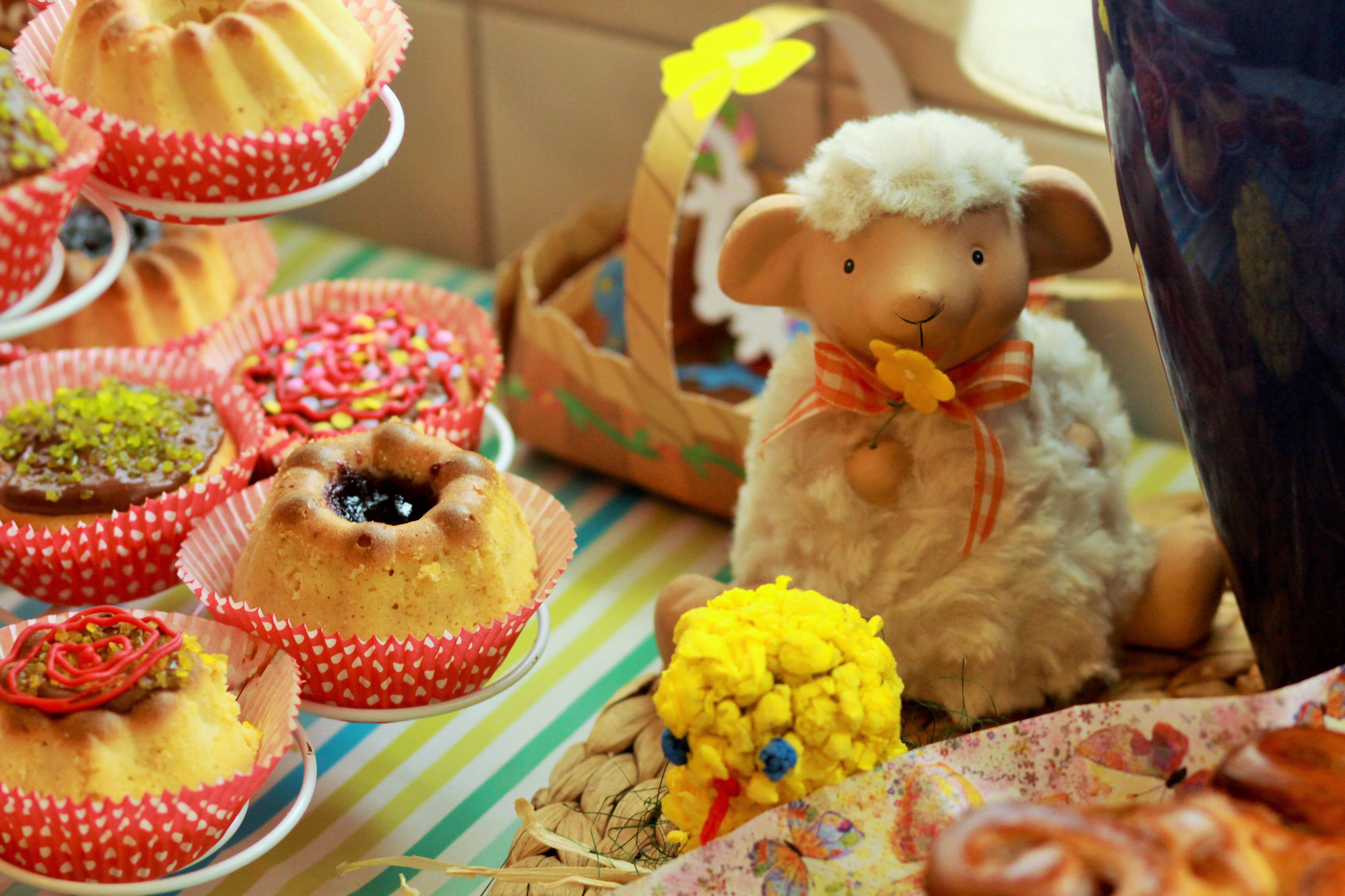 96936 descargar fondo de pantalla Vacaciones, Pastel, Día Festivo, Cordero, Productos De Panadería, Hornada, Pascua: protectores de pantalla e imágenes gratis