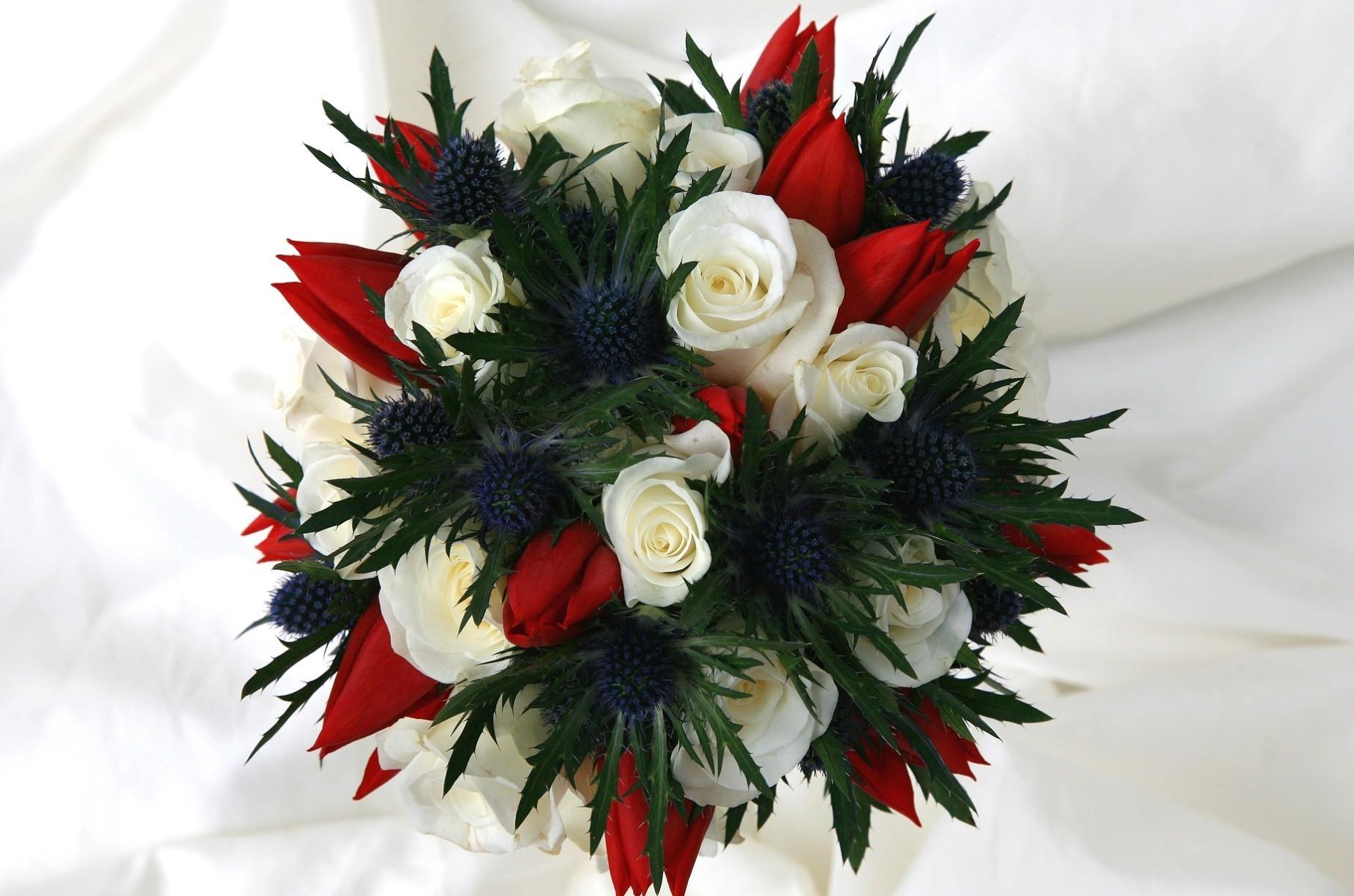 53360 скачать обои Цветы, Букет, Оформление, Тюльпаны, Розы - заставки и картинки бесплатно