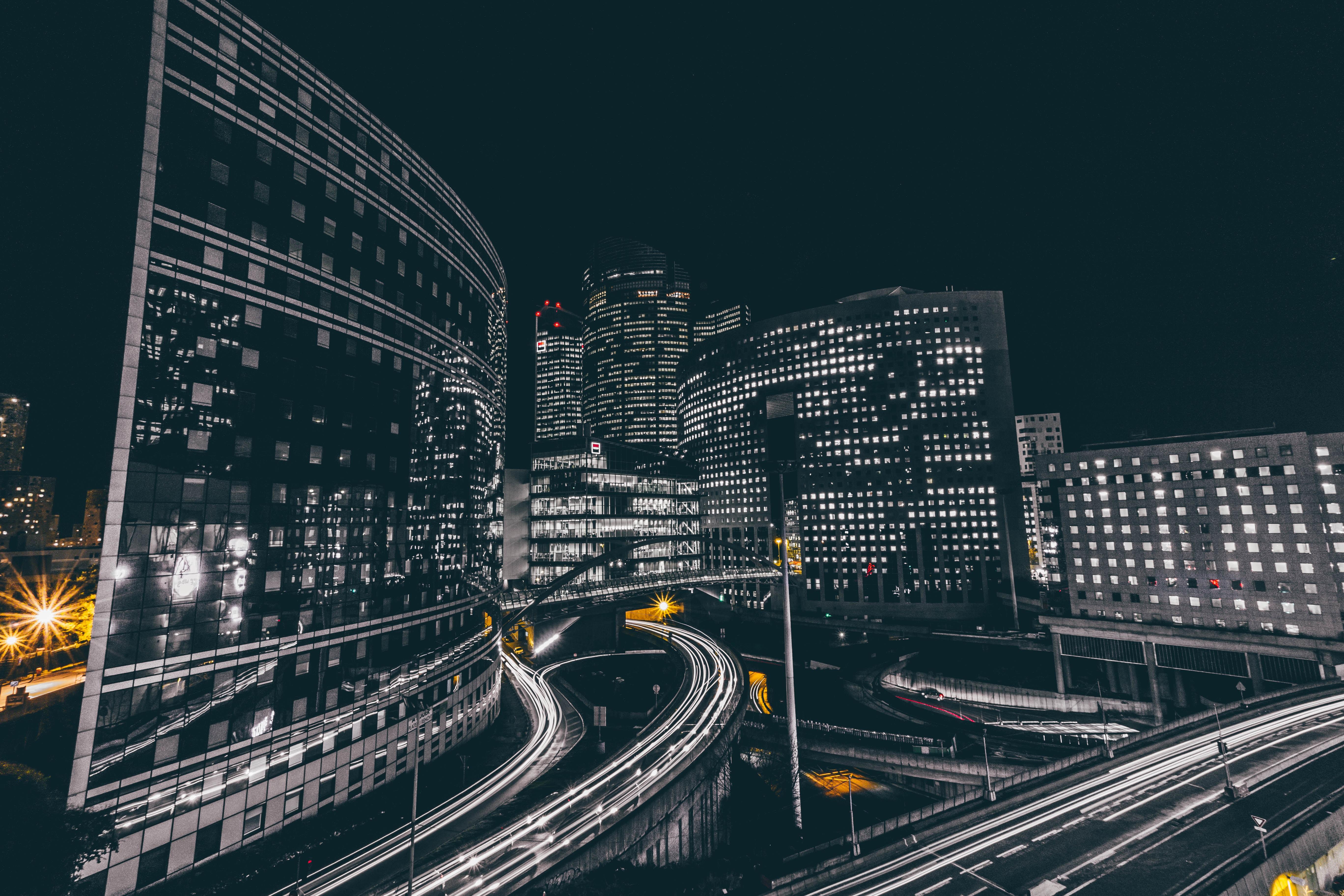 126964 Hintergrundbild herunterladen Städte, Roads, Gebäude, Nächtliche Stadt, Night City, Frankreich, Verteidigung - Bildschirmschoner und Bilder kostenlos