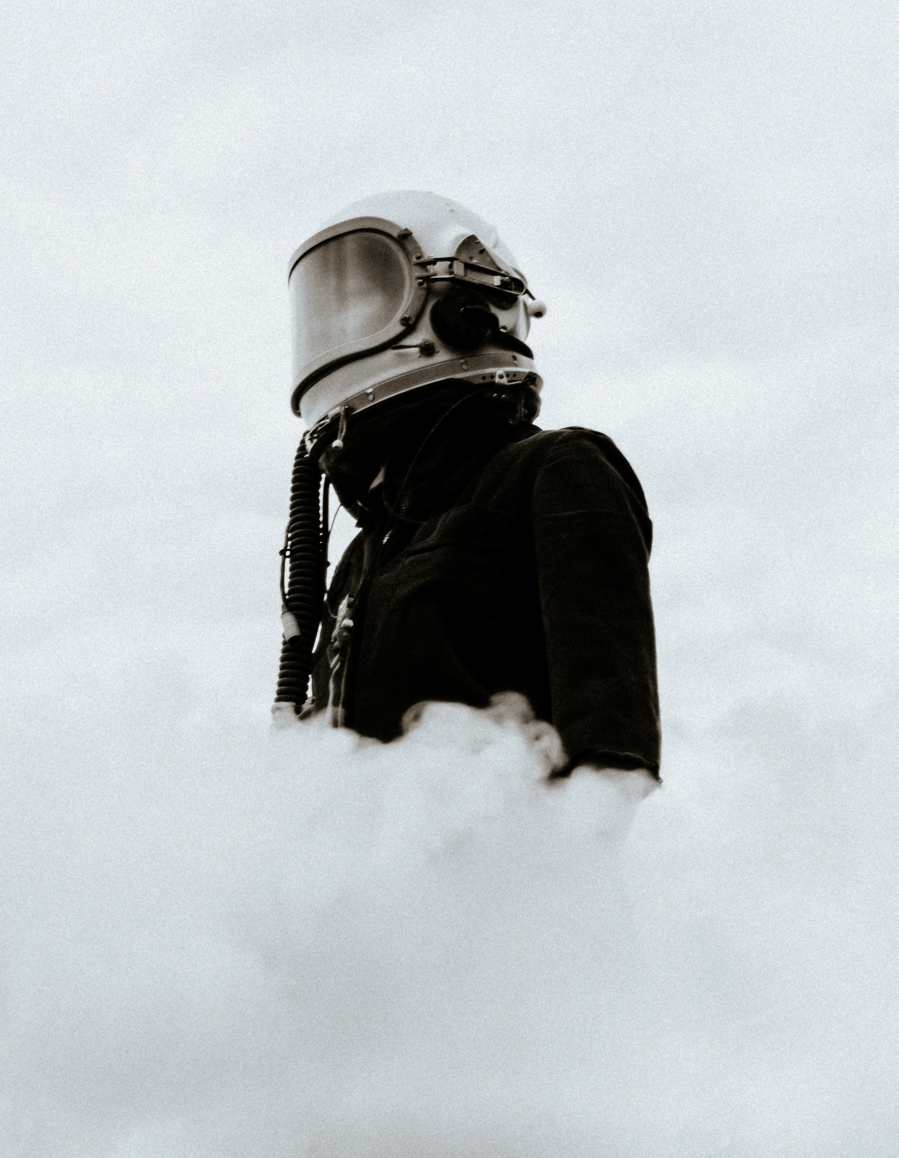82870 download wallpaper Miscellanea, Miscellaneous, Helmet, Mask, Shroud, Smoke screensavers and pictures for free