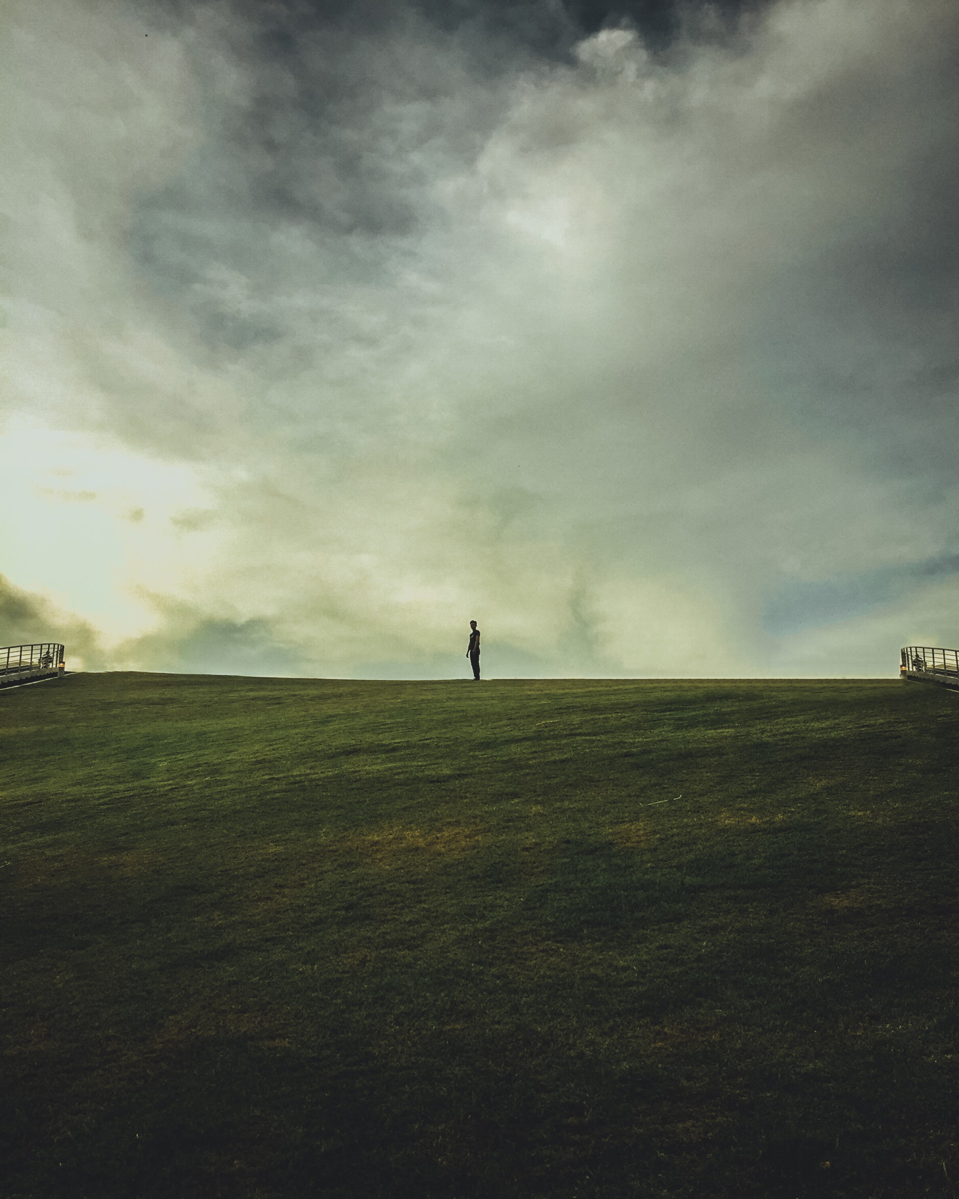 138418 Screensavers and Wallpapers Human for phone. Download Horizon, Seclusion, Minimalism, Field, Human, Person, Loneliness, Edium pictures for free