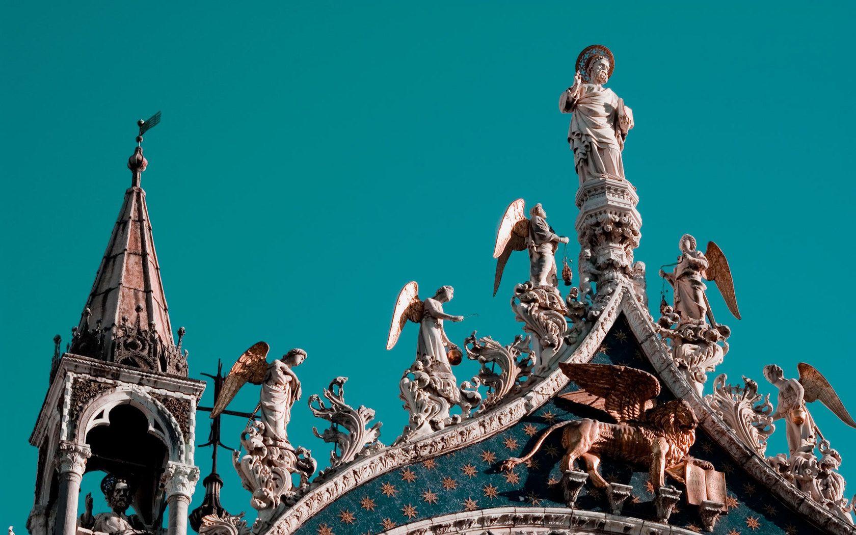 149279 Protetores de tela e papéis de parede Anjos em seu telefone. Baixe Cidades, Céu, Arquitetura, Anjos, Veneza, Cobertura, Telhado, Estátuas fotos gratuitamente