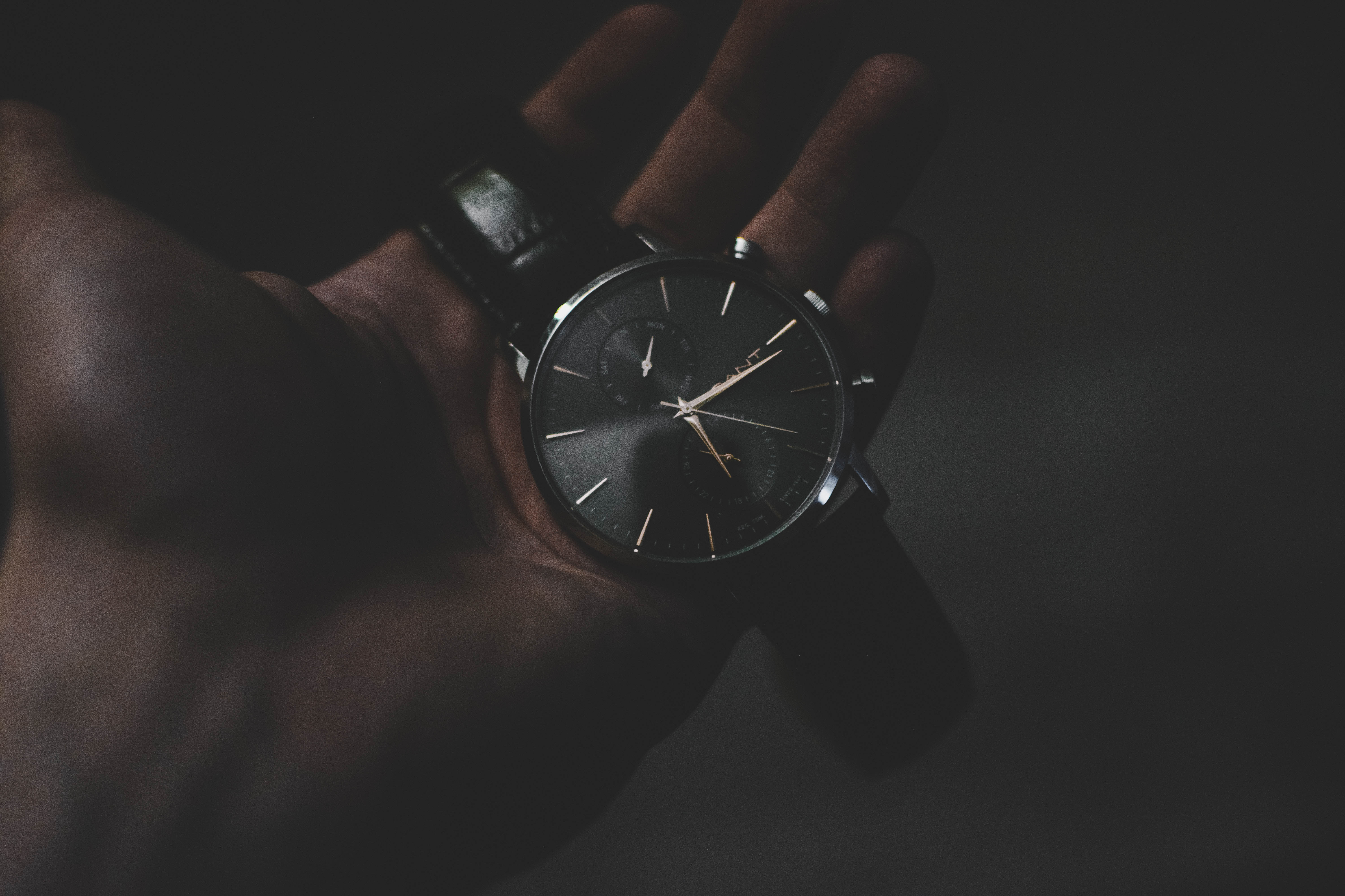 102415 Screensavers and Wallpapers Wrist Watch for phone. Download Dark, Hand, Technologies, Technology, Wrist Watch, Wristwatch, Clock Face, Dial pictures for free