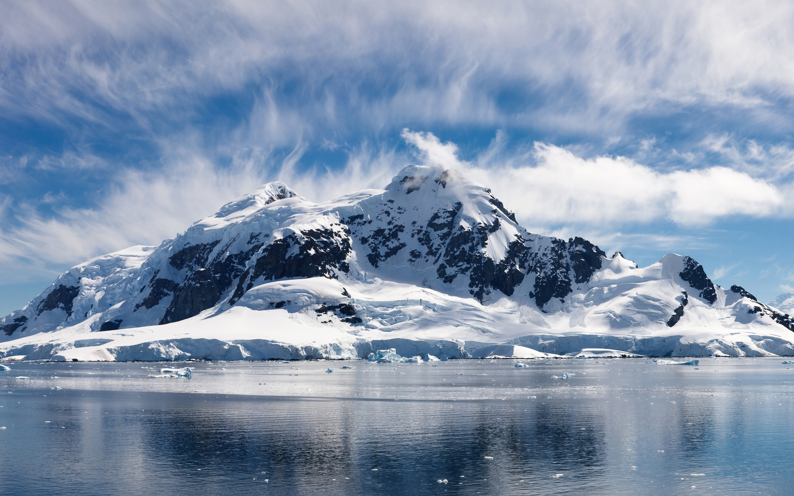 33011 download wallpaper Landscape, Mountains, Sea screensavers and pictures for free
