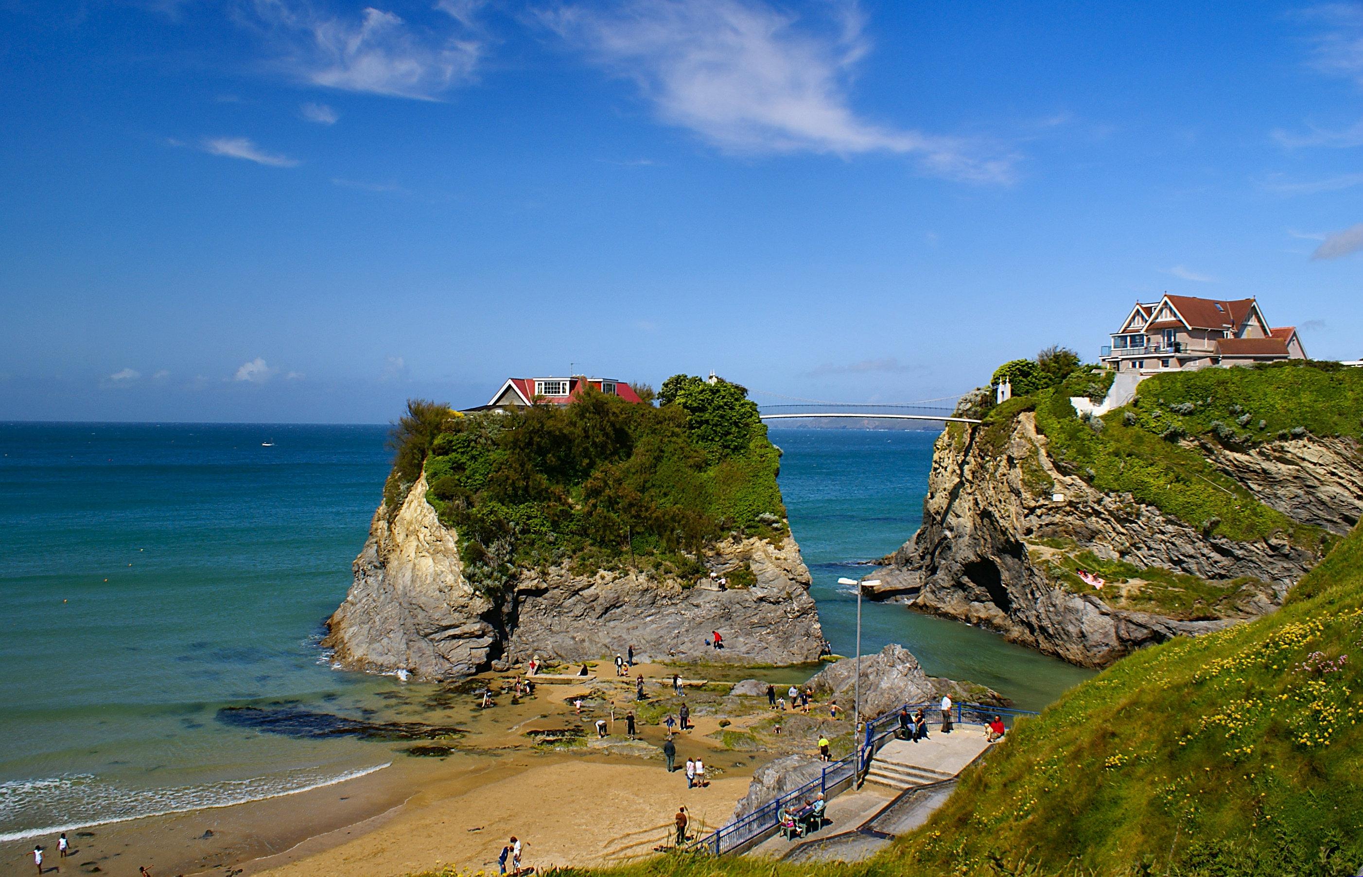 124119 Salvapantallas y fondos de pantalla Mar en tu teléfono. Descarga imágenes de Naturaleza, Mar, Playa, Las Rocas, Rocas gratis