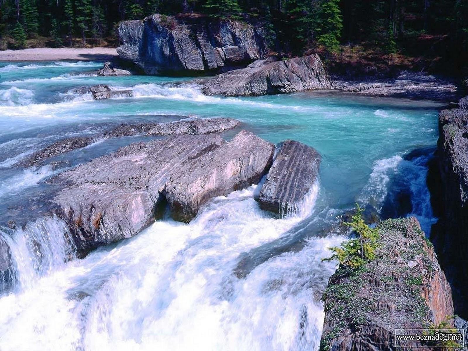 4020 скачать обои Пейзаж, Вода, Река, Камни - заставки и картинки бесплатно