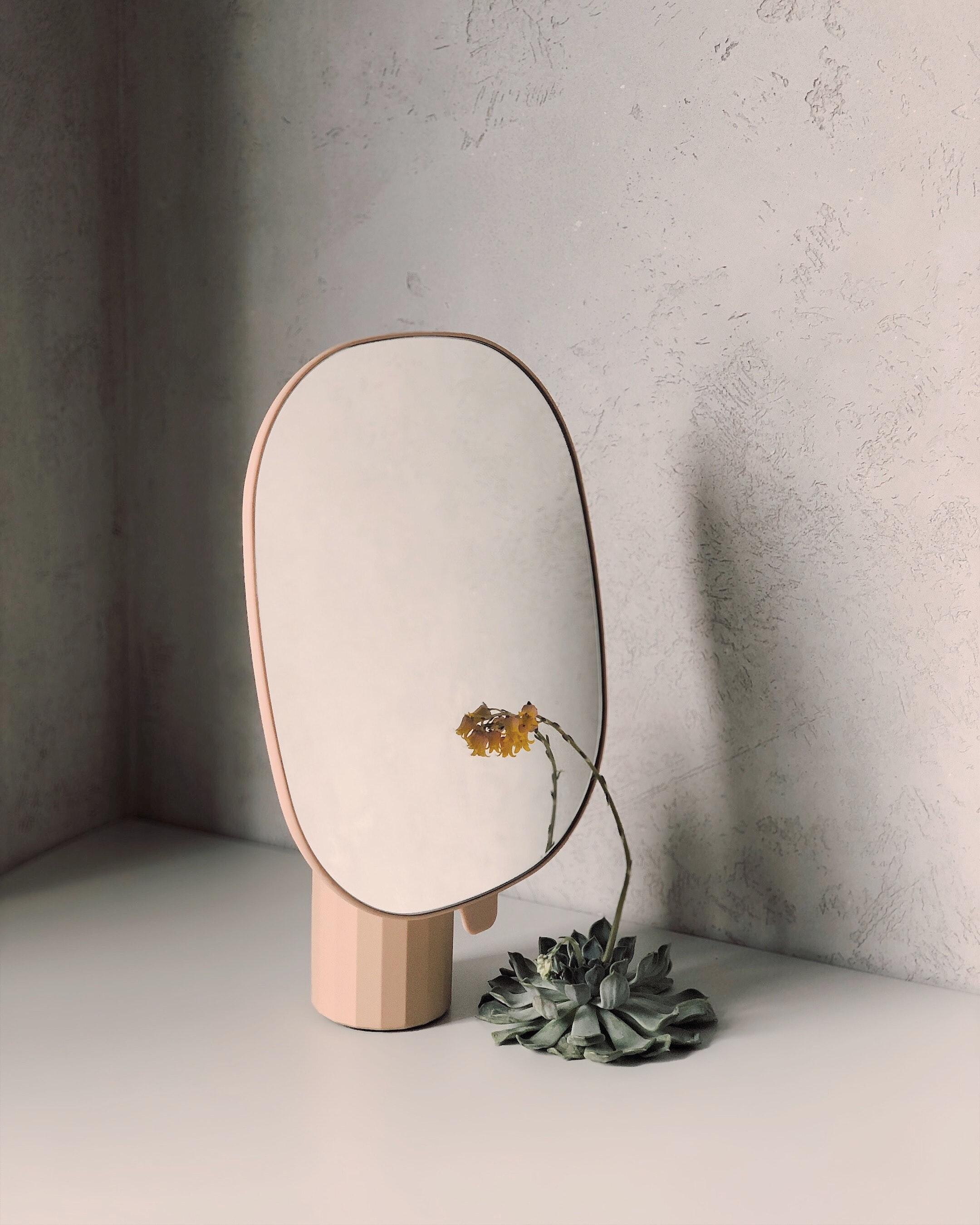 138936 télécharger le fond d'écran Minimalisme, Miroir, Fleur, Réflexion - économiseurs d'écran et images gratuitement