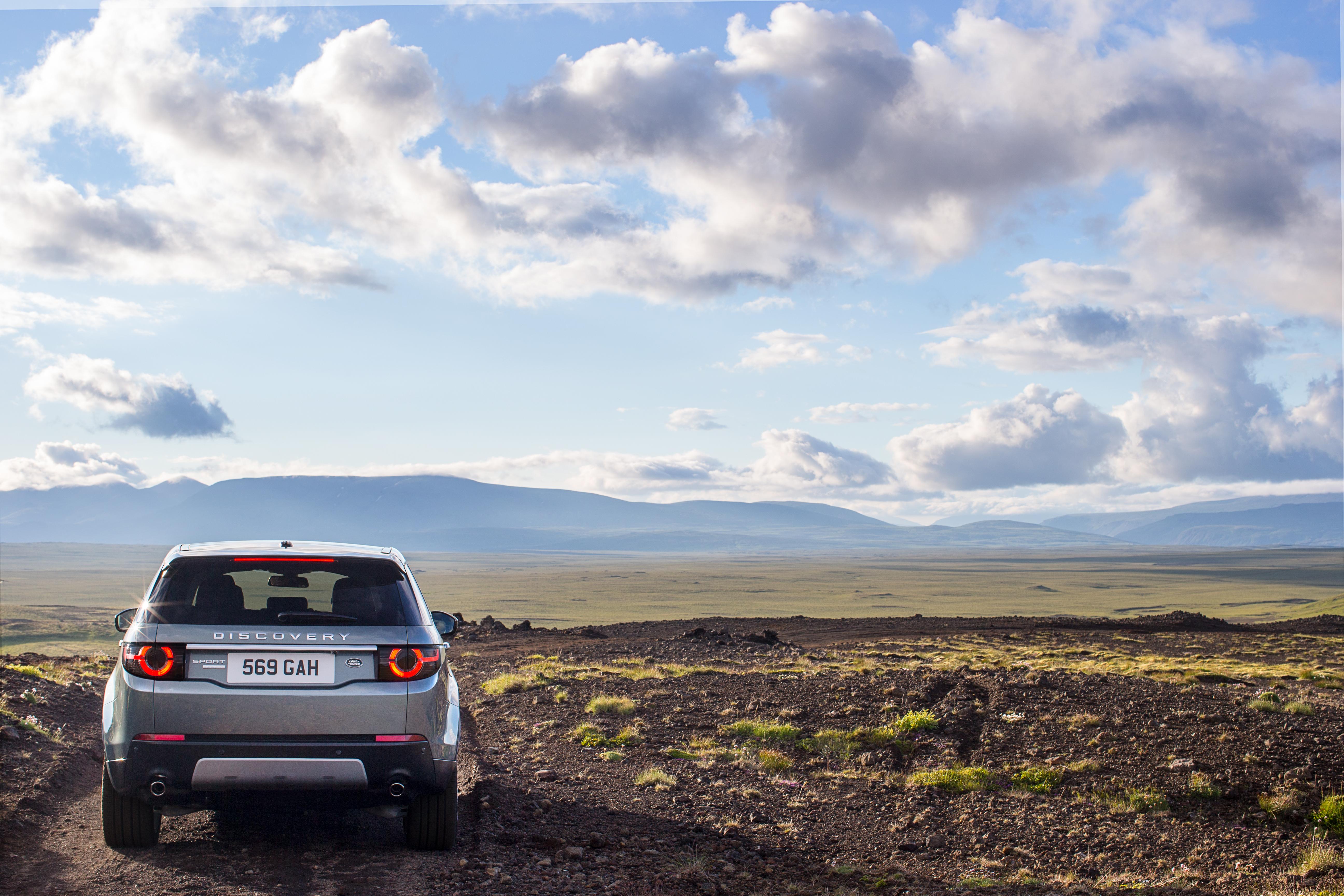 81754 завантажити шпалери Природа, Ленд Ровер, Тачки, Позашляховик, Машина, Вид Ззаду, Land Rover Discovery, Відкриття Land Rover - заставки і картинки безкоштовно