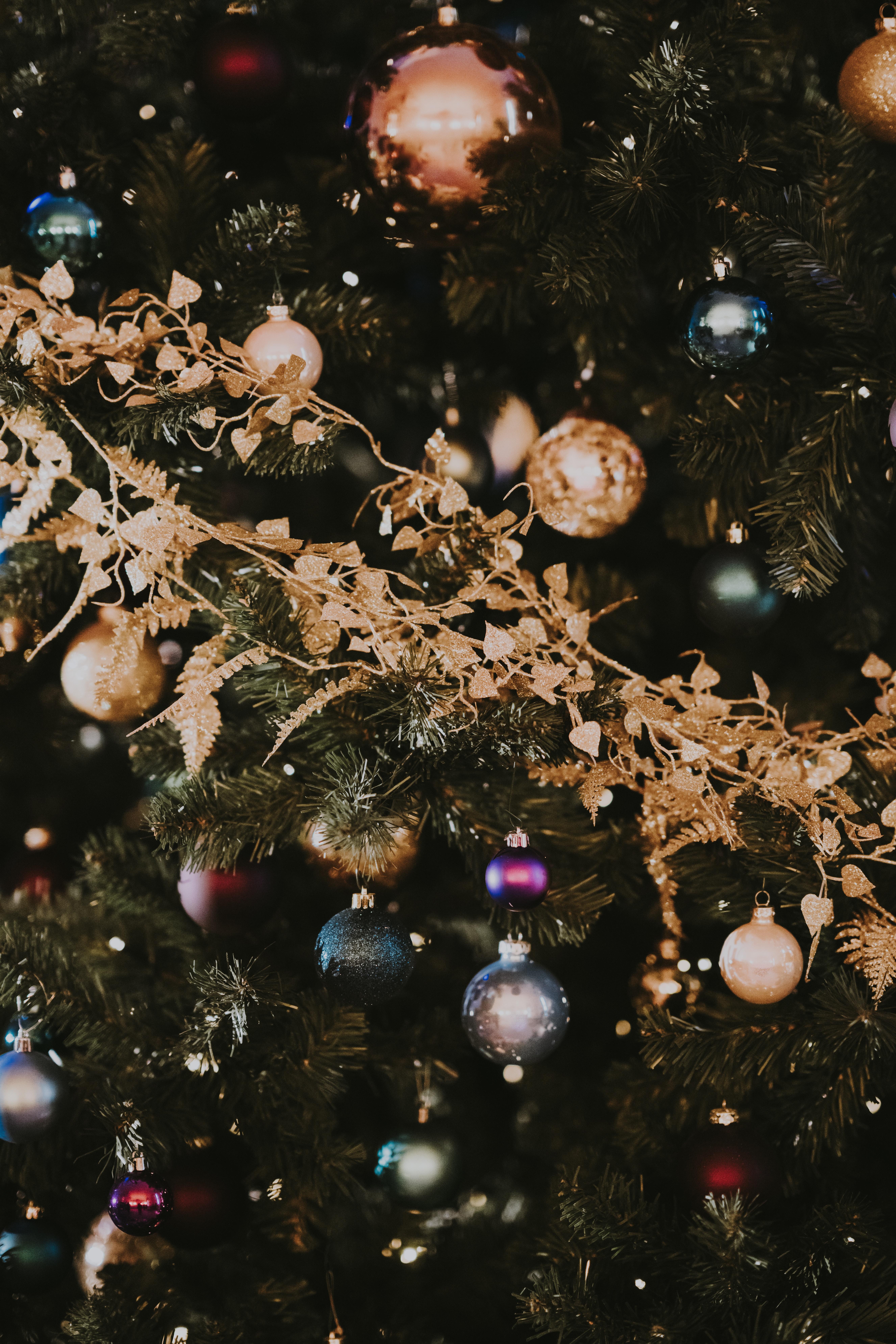 103012 Salvapantallas y fondos de pantalla Año Nuevo en tu teléfono. Descarga imágenes de Vacaciones, Decoraciones De Navidad, Juguetes De Árbol De Navidad, Año Nuevo, Navidad, Árbol De Navidad, Decoración, Buen Espíritu De Año Nuevo, Estado De Ánimo De Año Nuevo gratis