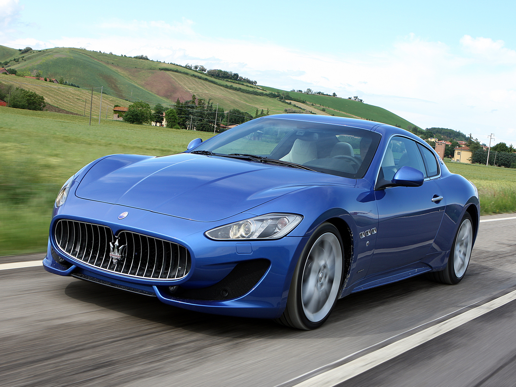 150682 download wallpaper Cars, Maserati, Granturismo, Side View, Speed screensavers and pictures for free