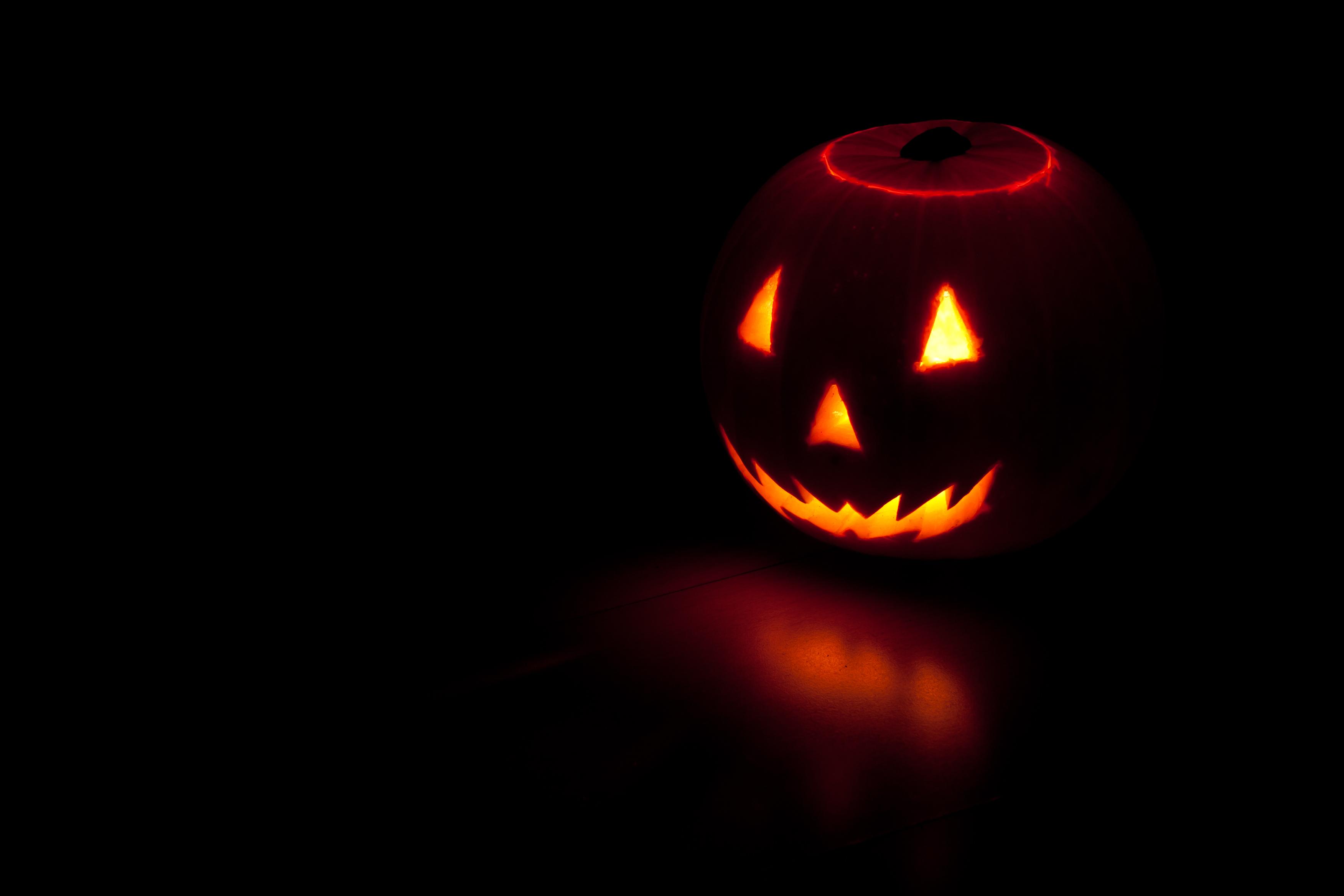78635 скачать обои Праздники, Осень, Темный, Тыква, Хэллоуин - заставки и картинки бесплатно