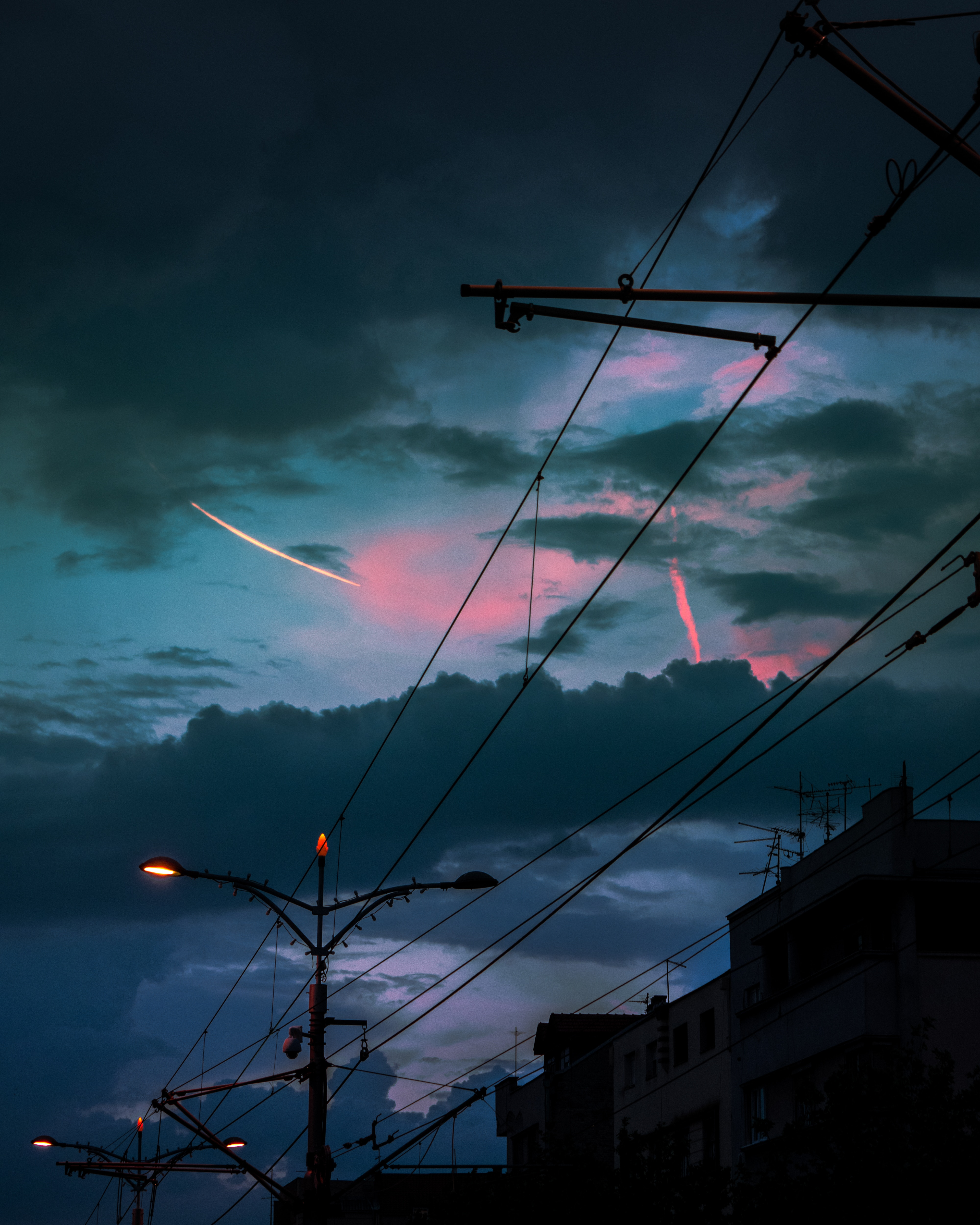 152588 download wallpaper Dark, Twilight, City, Lights, Lanterns, Dusk, Pillars, Posts, Wires, Wire screensavers and pictures for free