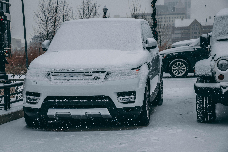 110856 скачать обои Тачки (Cars), Land Rover Range Rover, Рендж Ровер (Range Rover), Ленд Ровер (Land Rover), Внедорожник, Люкс, Замнеженный, Снегопад - заставки и картинки бесплатно