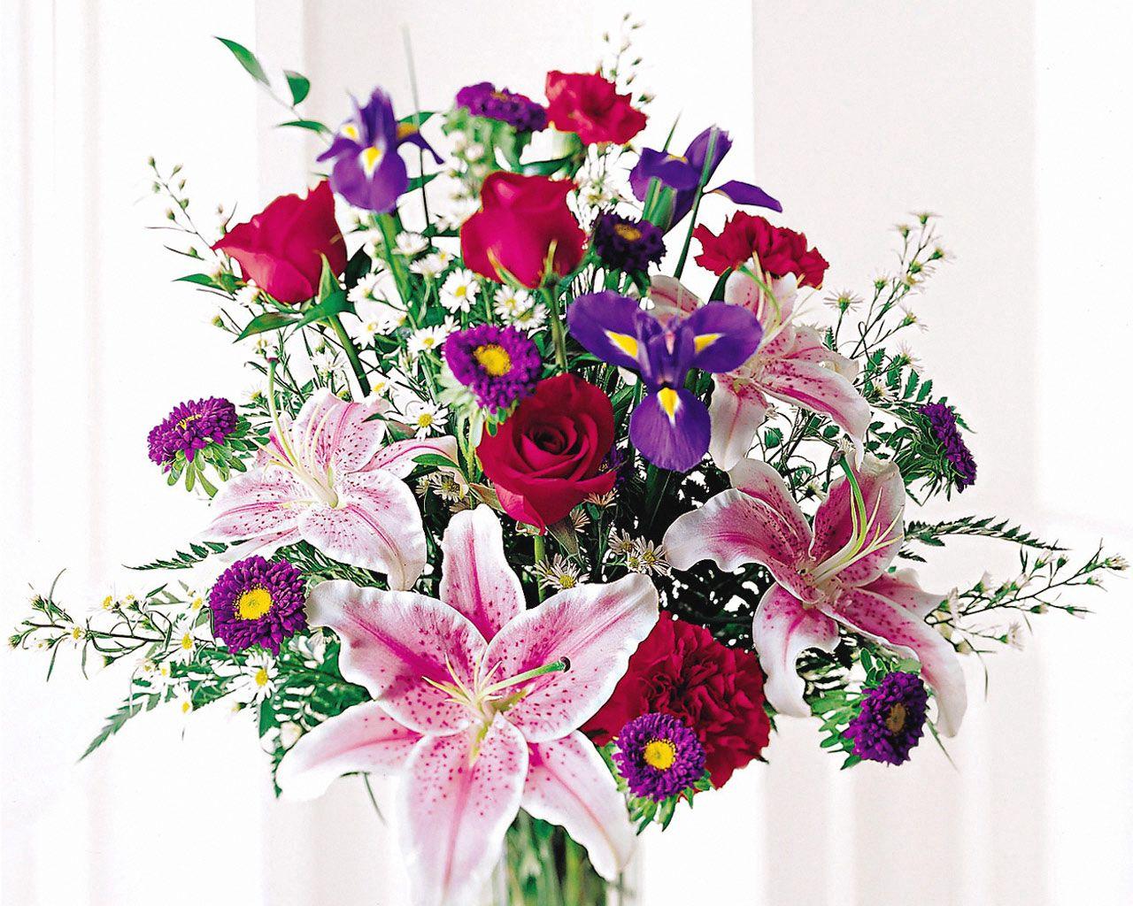 122452 télécharger le fond d'écran Fleurs, Lilies, Iris, Oeillets, Bouquet, Roses - économiseurs d'écran et images gratuitement