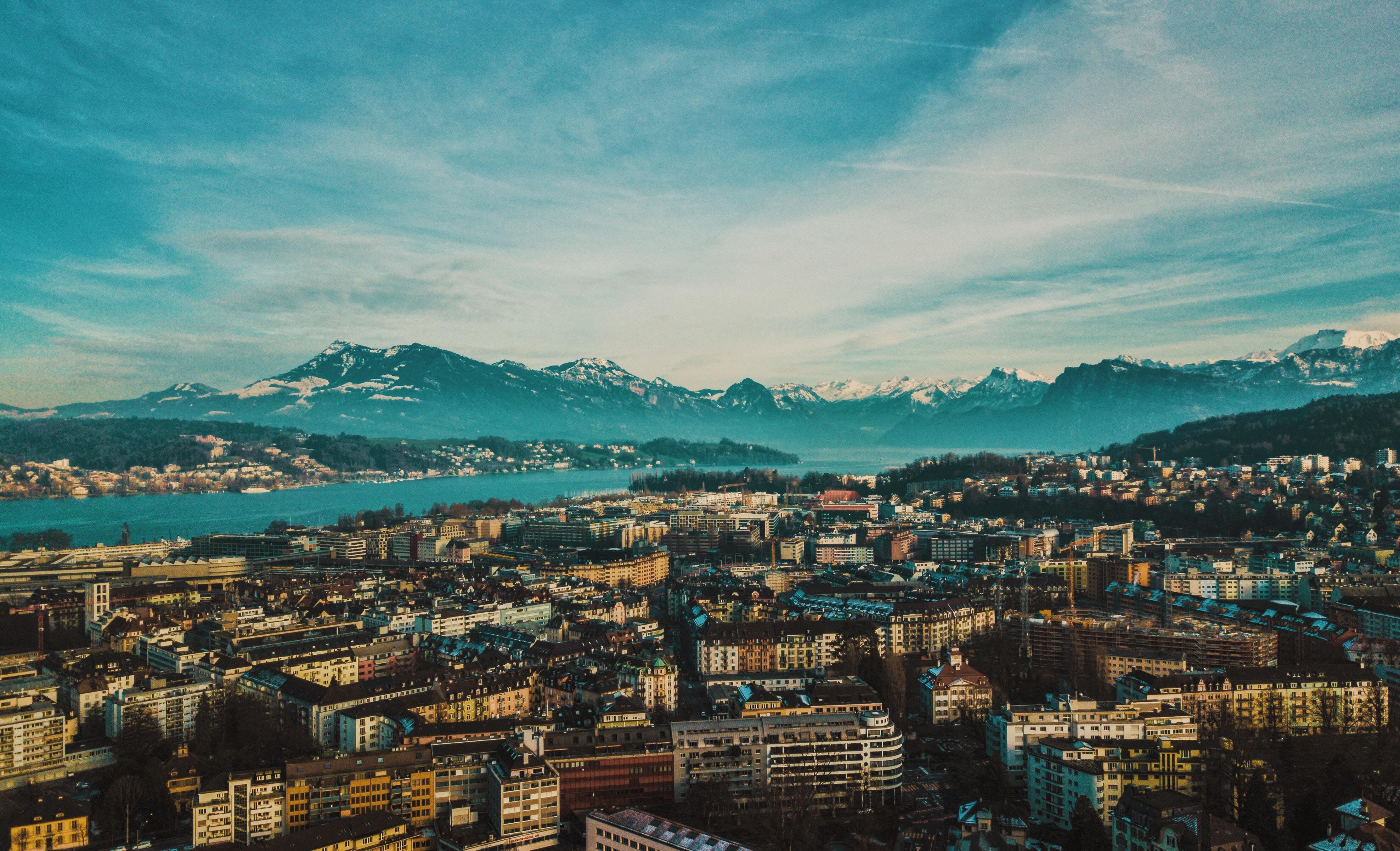 55278 скачать обои Швейцария, Города, Горы, Город, Здания, Обзор, Люцерн - заставки и картинки бесплатно
