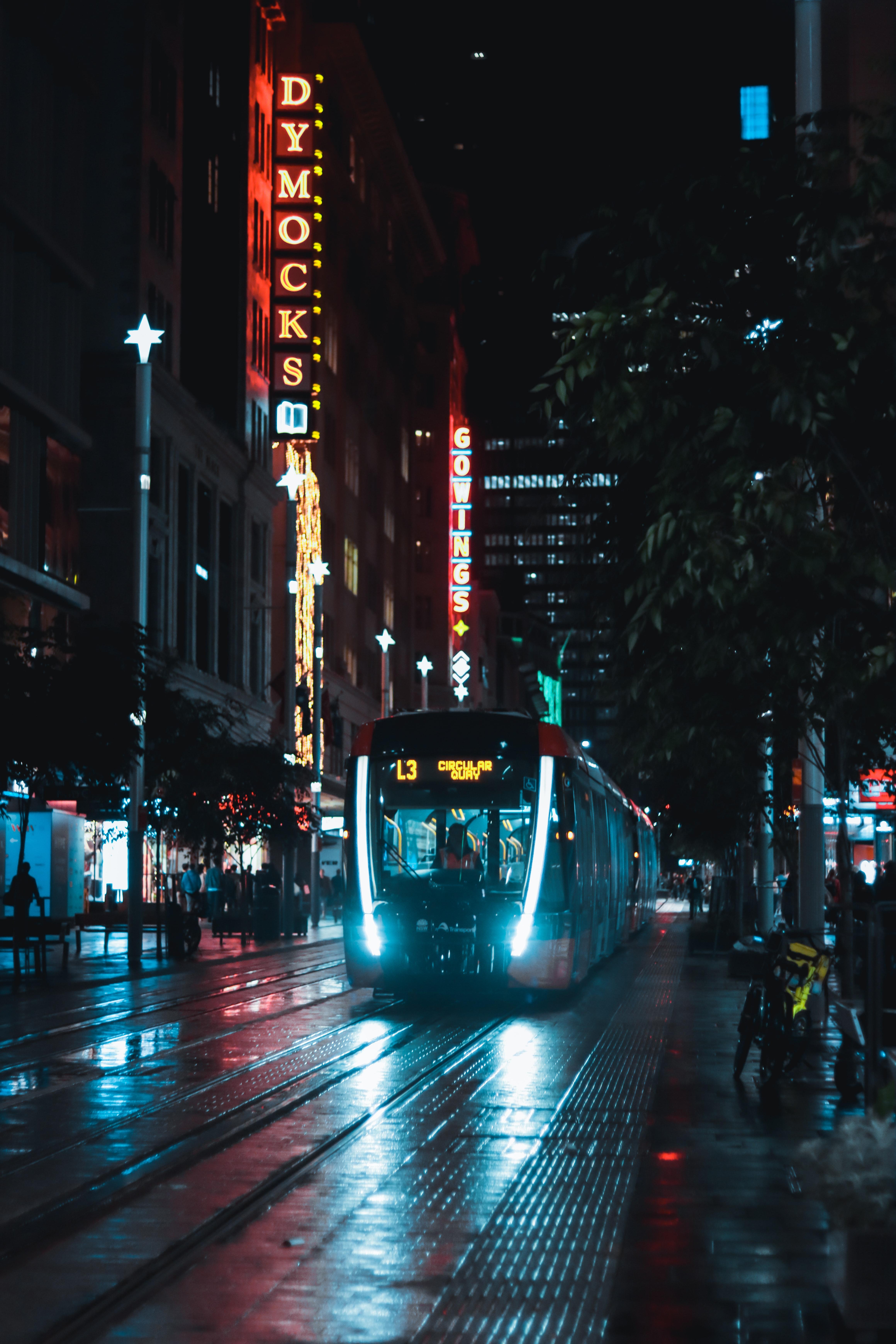 97238 скачать обои Темные, Поезд, Улица, Ночь, Город, Темный - заставки и картинки бесплатно
