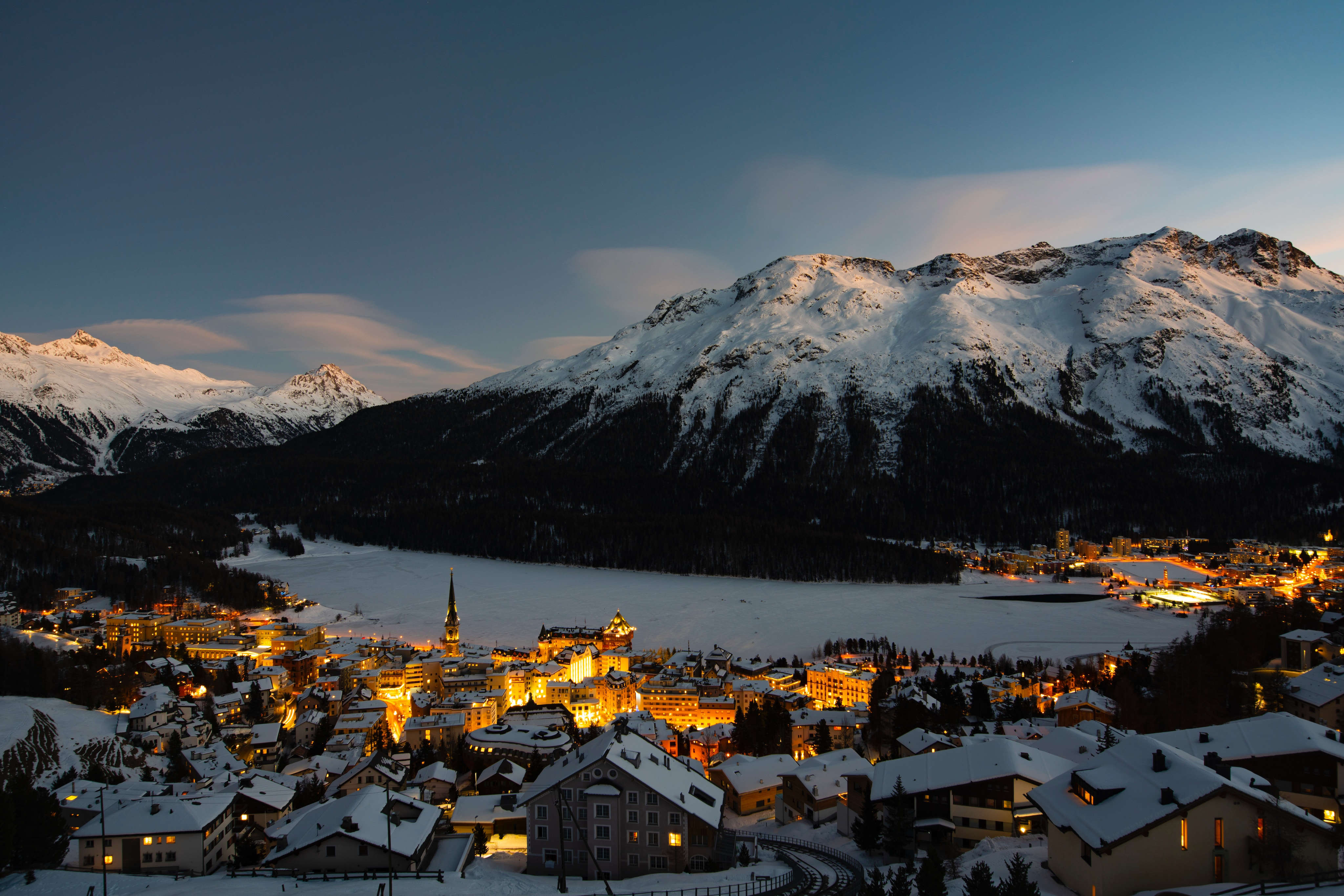 57332 Заставки и Обои Снег на телефон. Скачать Гора, Швейцария, Зима, Природа, Снег, Свет, Деревня картинки бесплатно