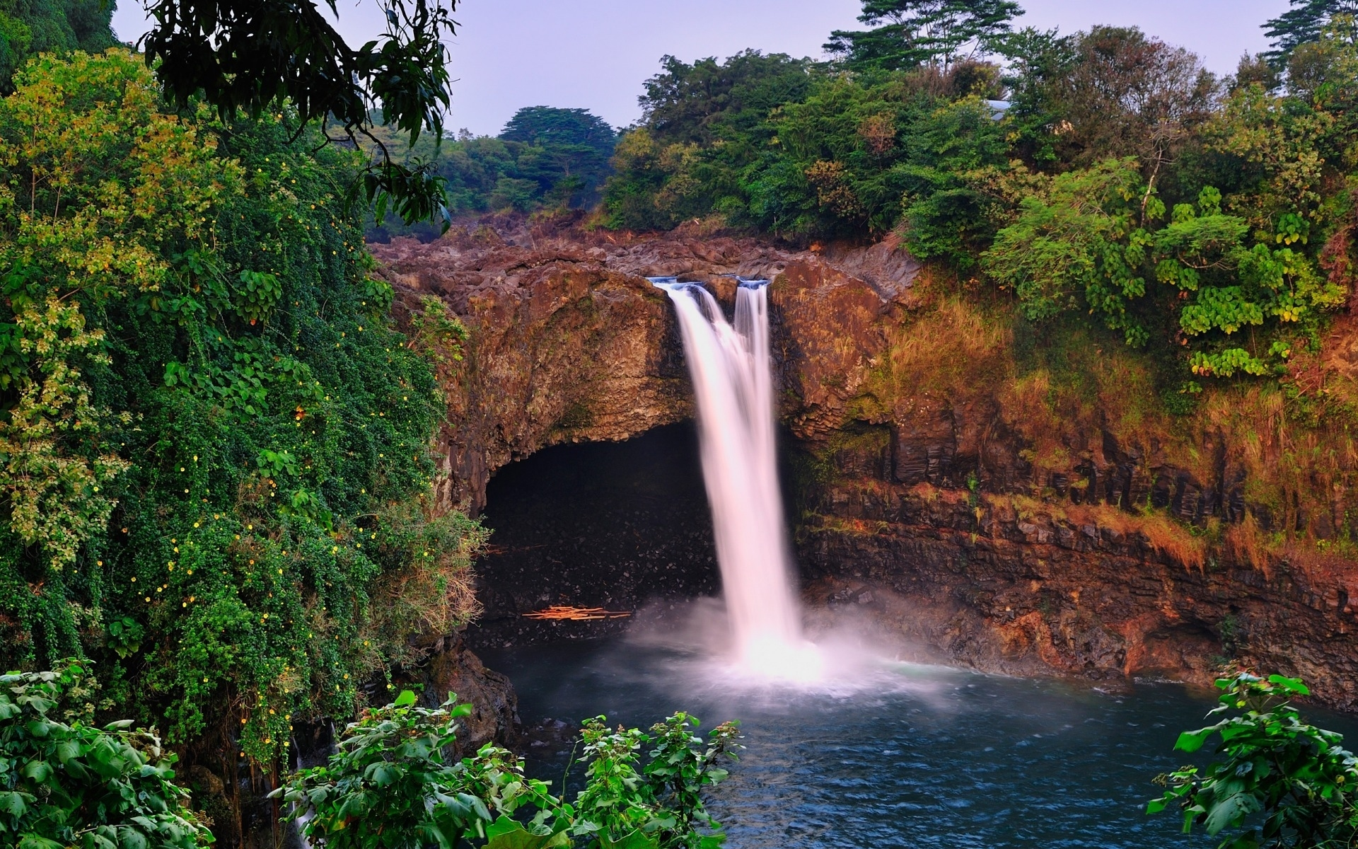 13677 download wallpaper Landscape, Water, Waterfalls screensavers and pictures for free