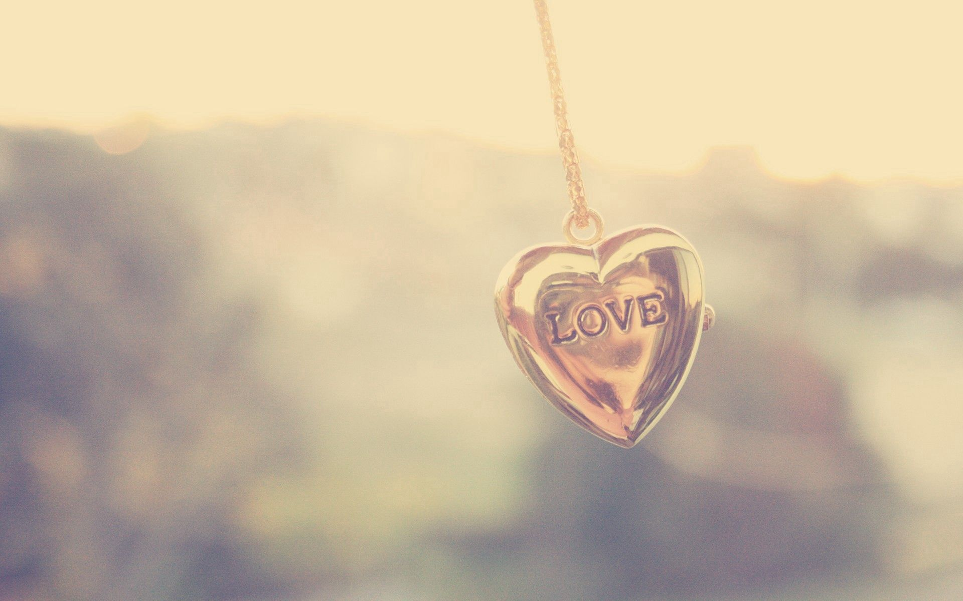 136966 download wallpaper Suspension, Chain, Shine, Light, Love, Heart screensavers and pictures for free