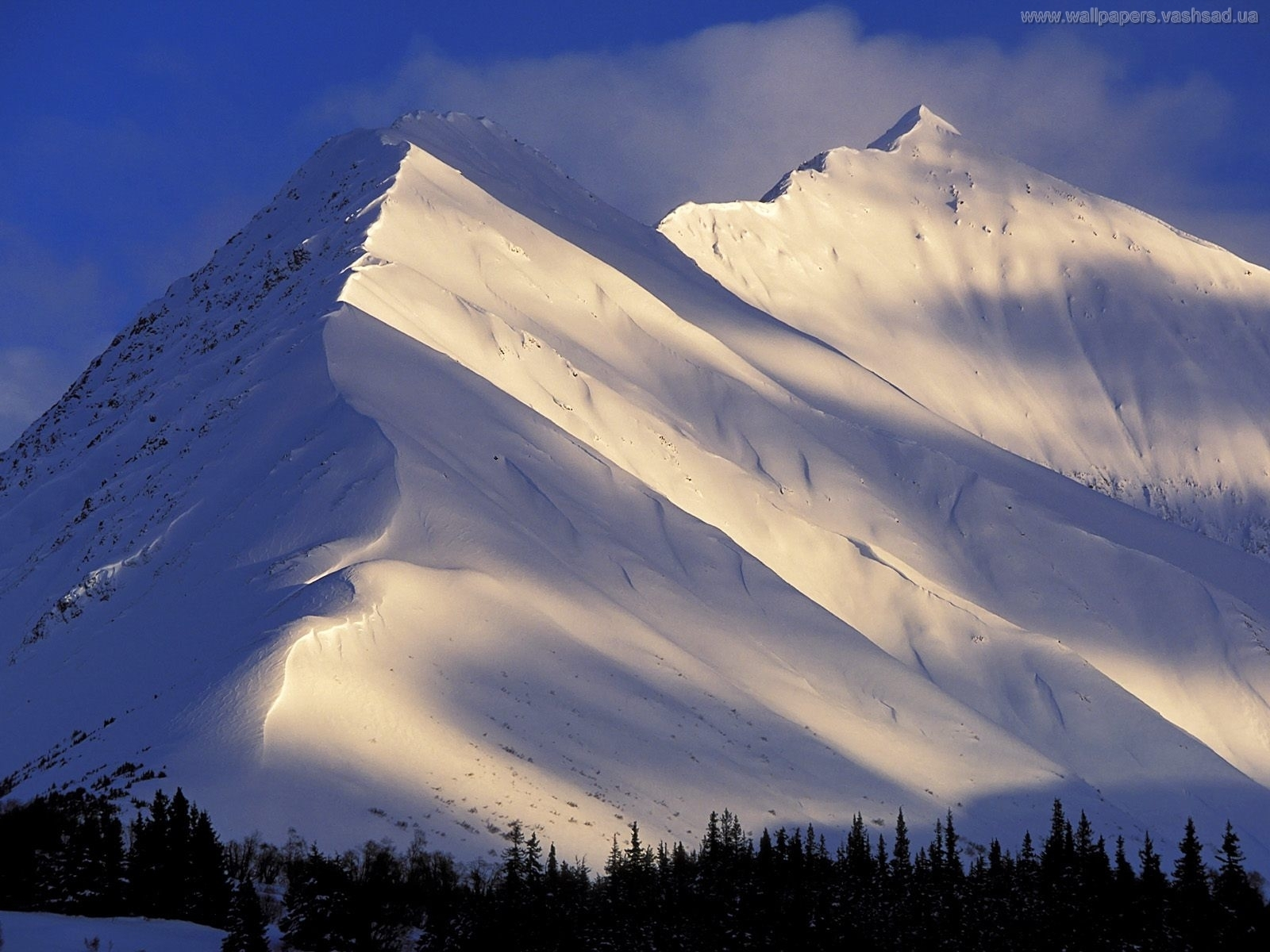 2917 download wallpaper Landscape, Winter, Mountains, Snow screensavers and pictures for free