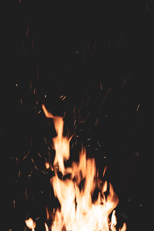 82523 免費下載壁紙 黑暗的, 黑暗, 篝火, 火, 火花, 火焰 屏保和圖片