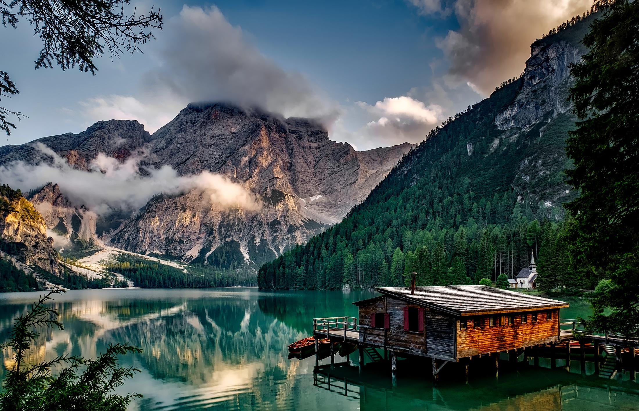 80647 скачать обои Италия, Природа, Горы, Озеро, Строение, Горный Пейзаж - заставки и картинки бесплатно