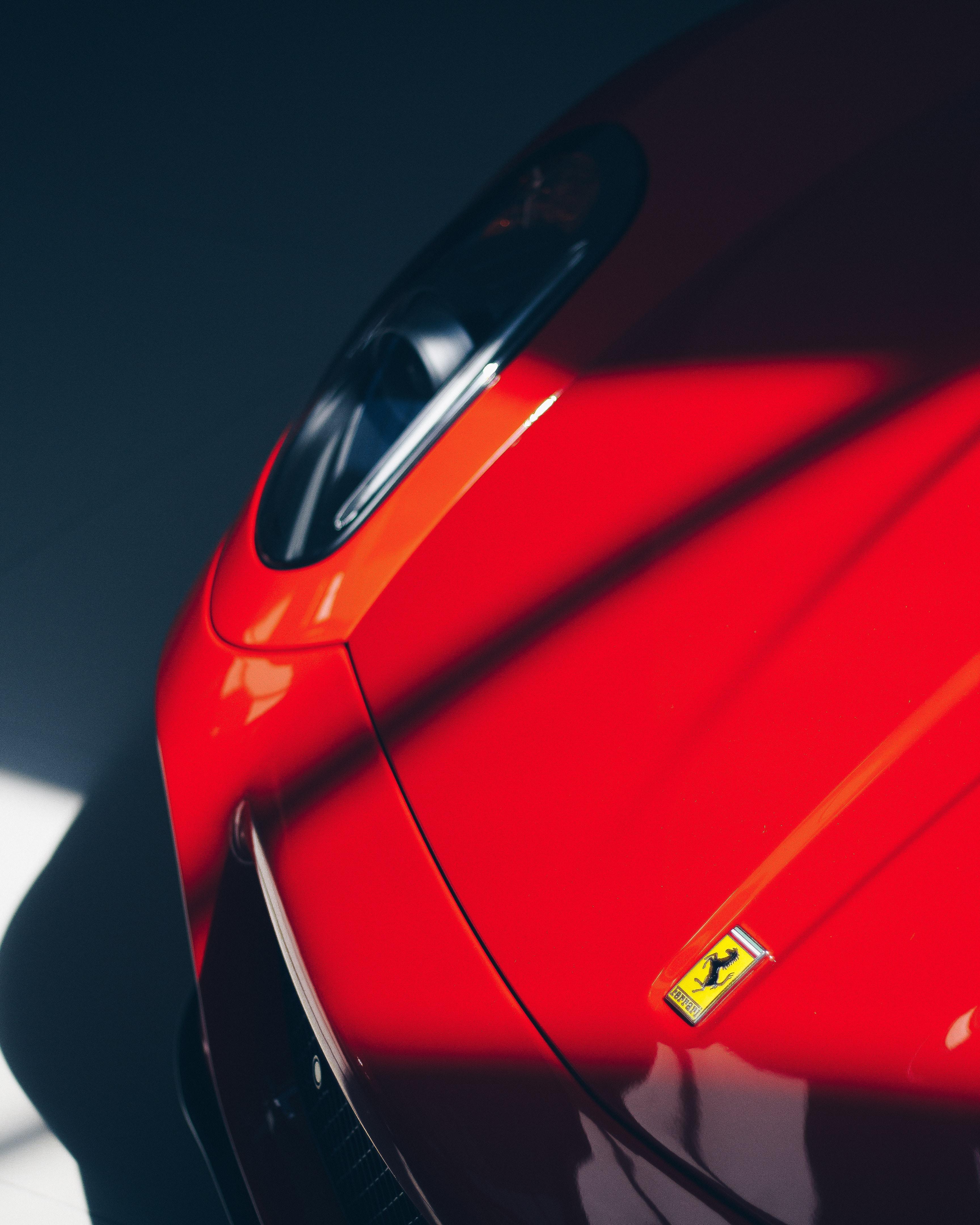 142696 baixar papel de parede Ferrari, Carros, Um Carro, Máquina, Carro Esporte, Desportivo, Emblema - protetores de tela e imagens gratuitamente
