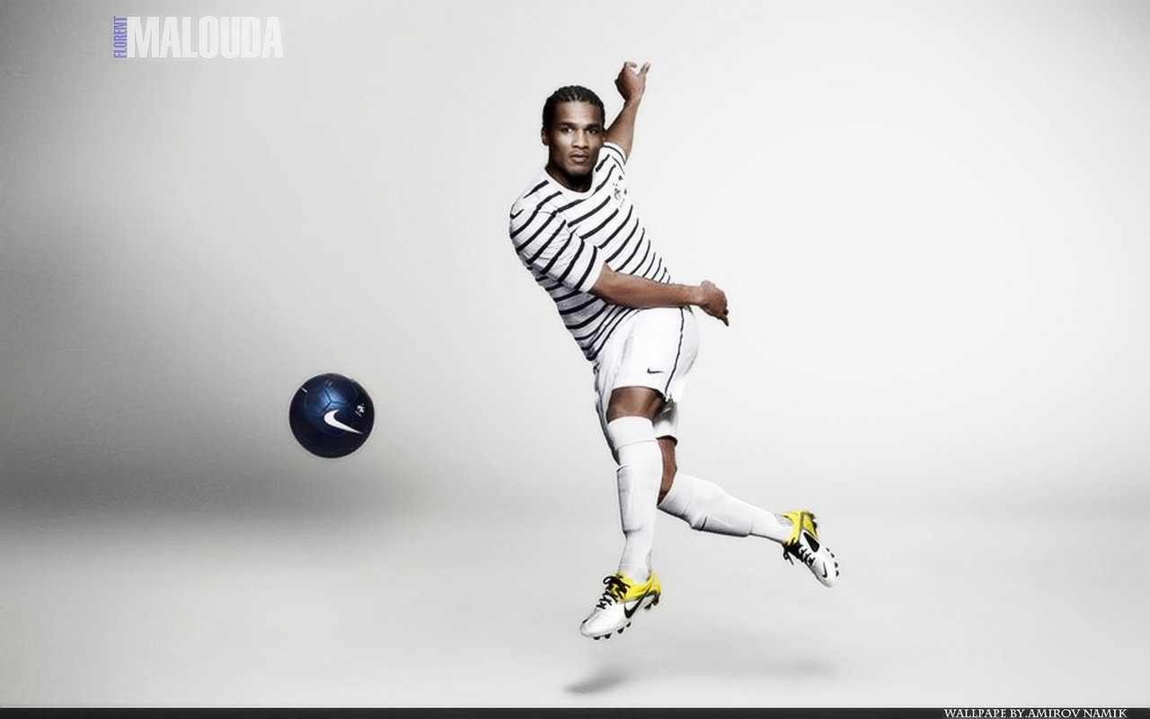 11487 download wallpaper Sports, People, Football, Men, Florent Malouda screensavers and pictures for free