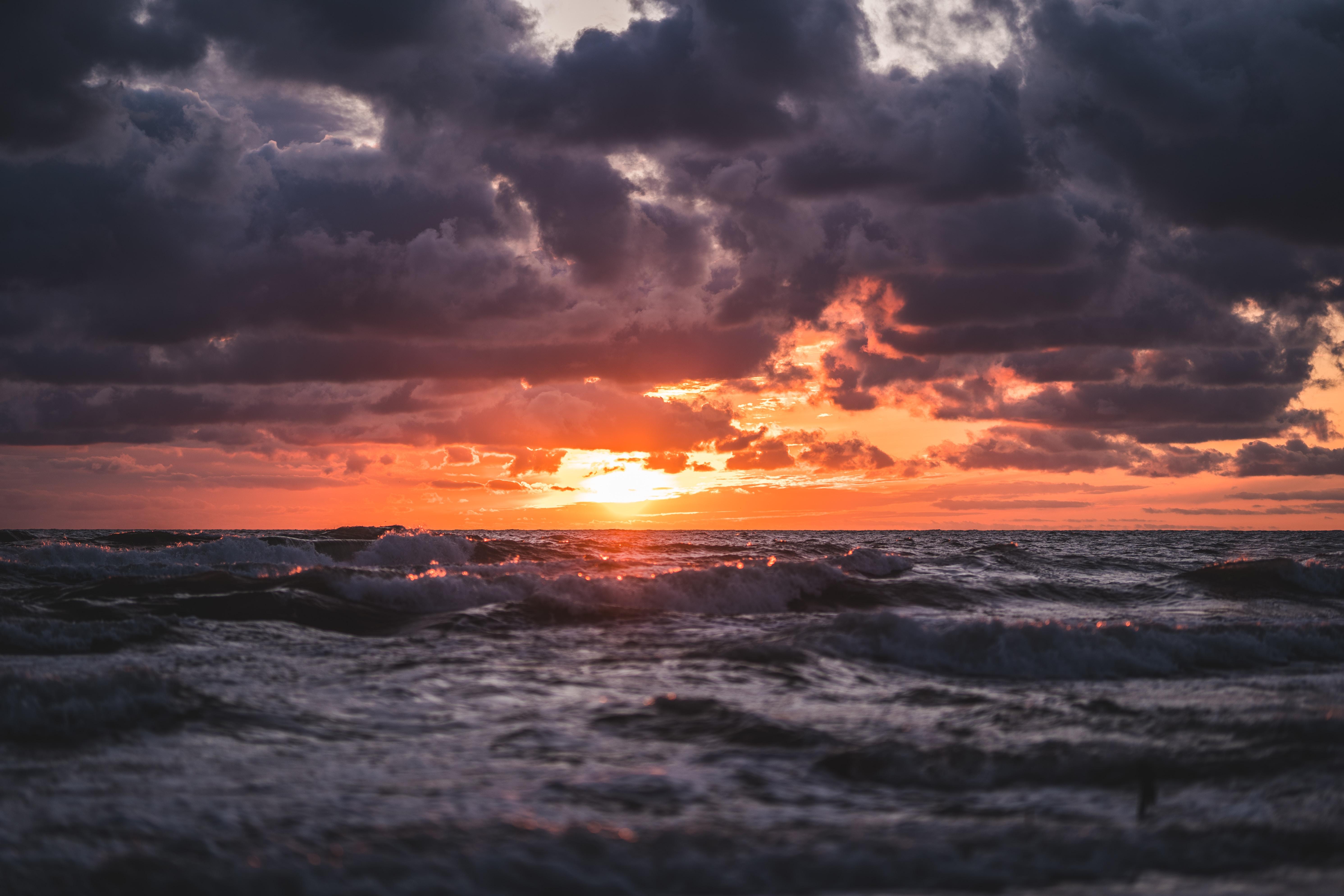 91361 Заставки и Обои Волны на телефон. Скачать Природа, Закат, Море, Облака, Горизонт, Волны картинки бесплатно