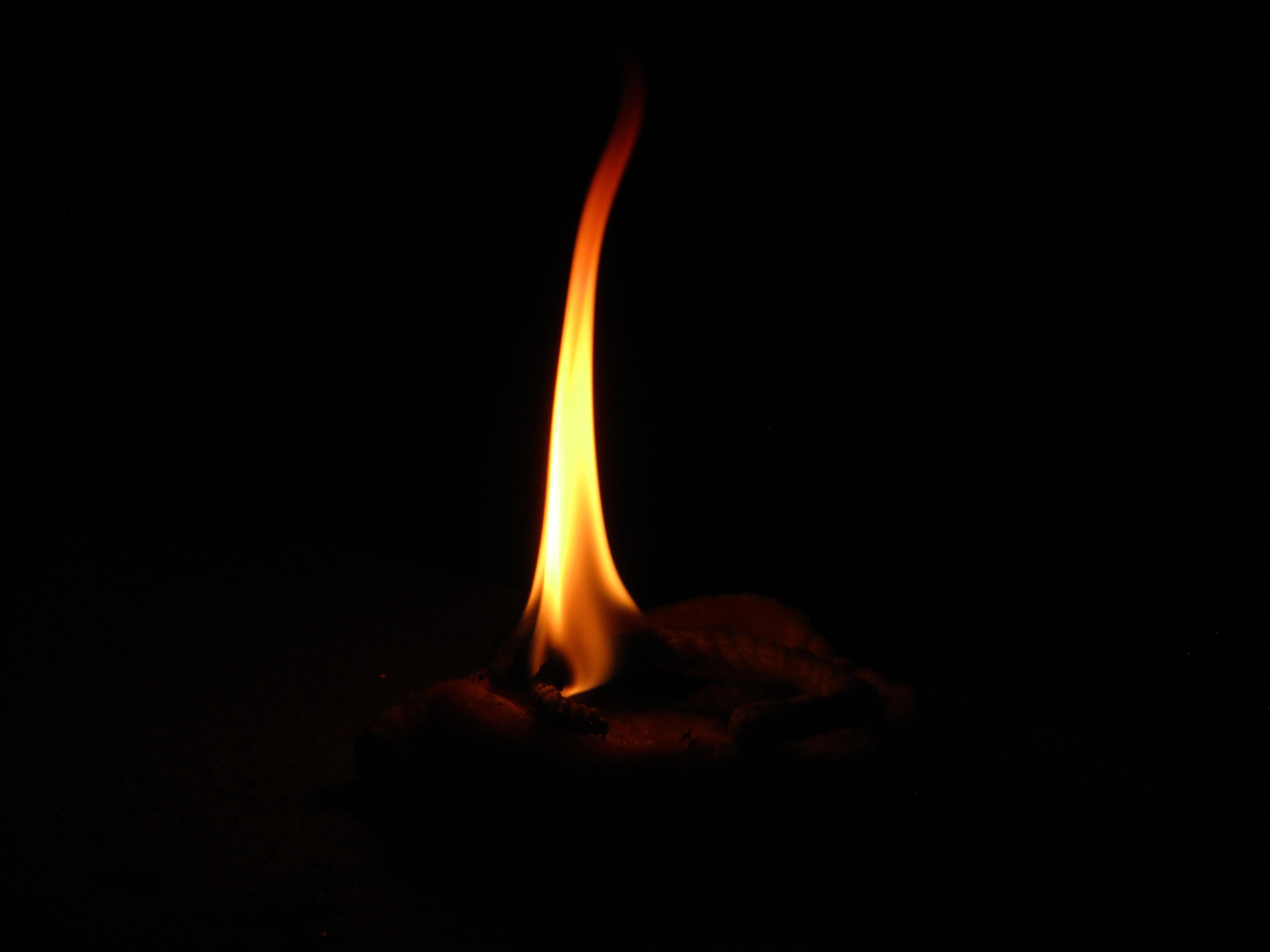 136238 免費下載壁紙 黑暗的, 黑暗, 火焰, 火, 黑色的, 蜡烛 屏保和圖片