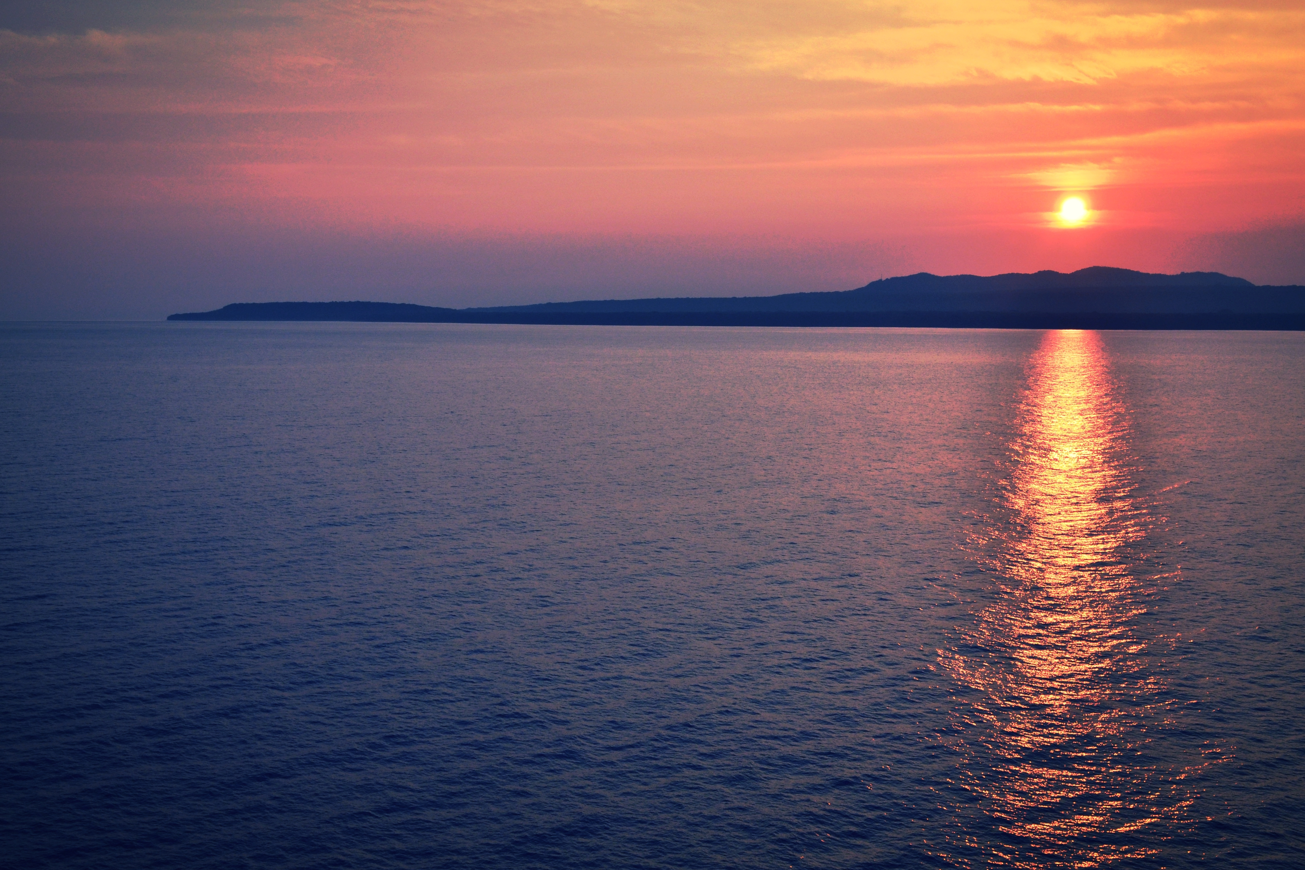 156960 download wallpaper Nature, Sea, Sunset, Horizon screensavers and pictures for free